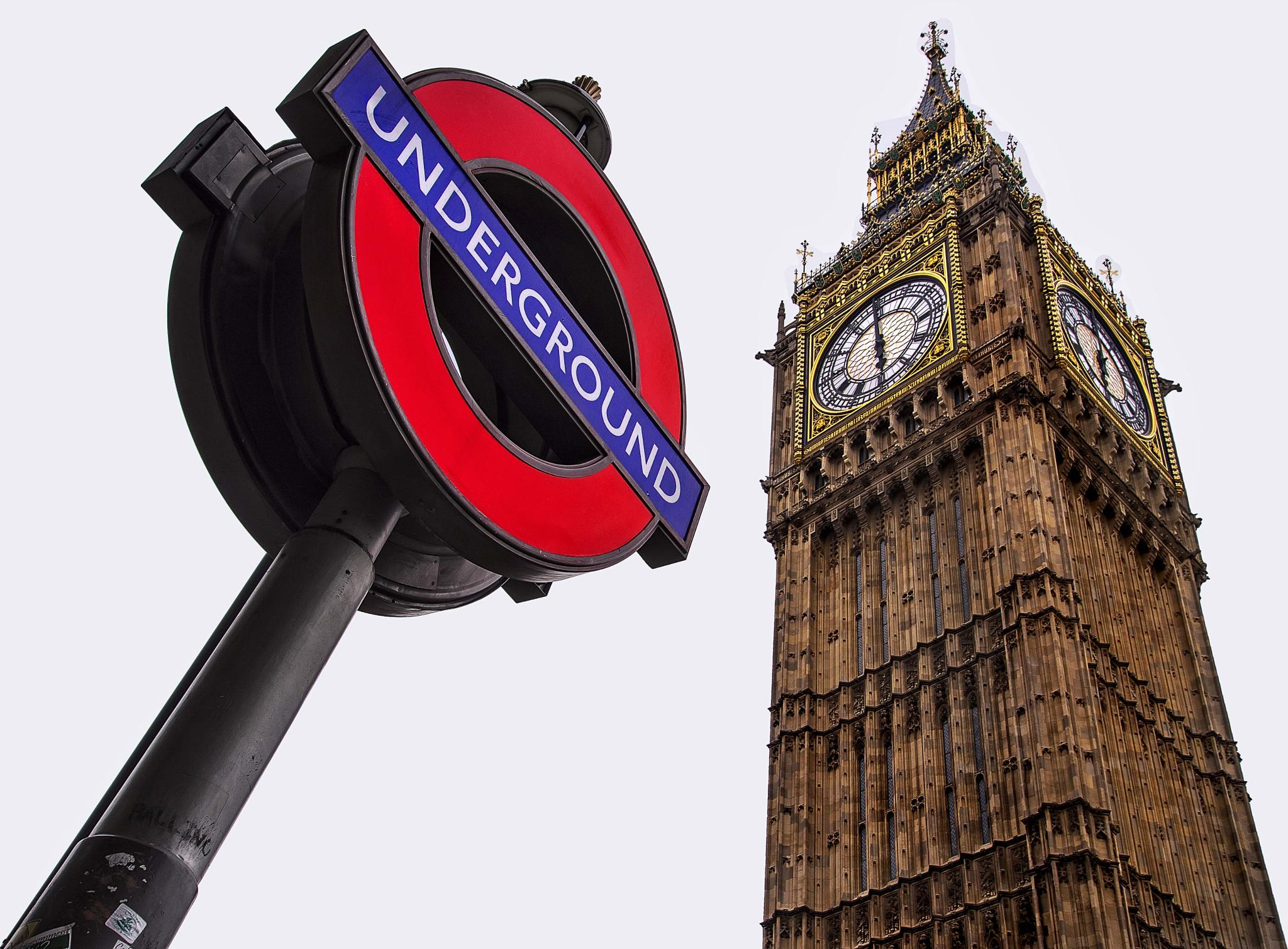 Big Ben and tubesign, London by catoh2