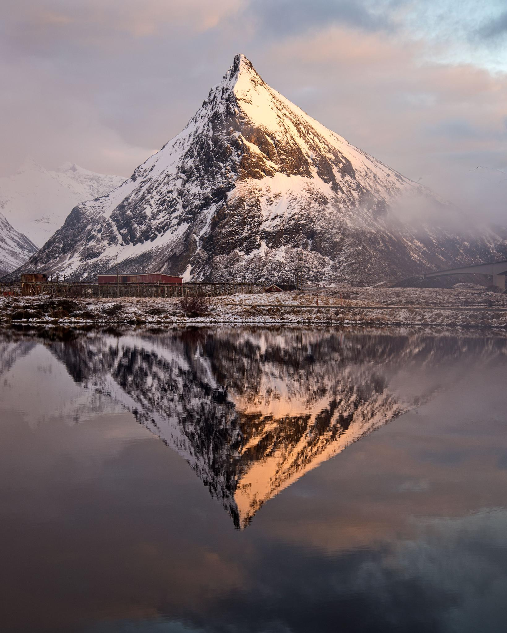 Reflection in water, Fredvang in Lofoten by catoh2