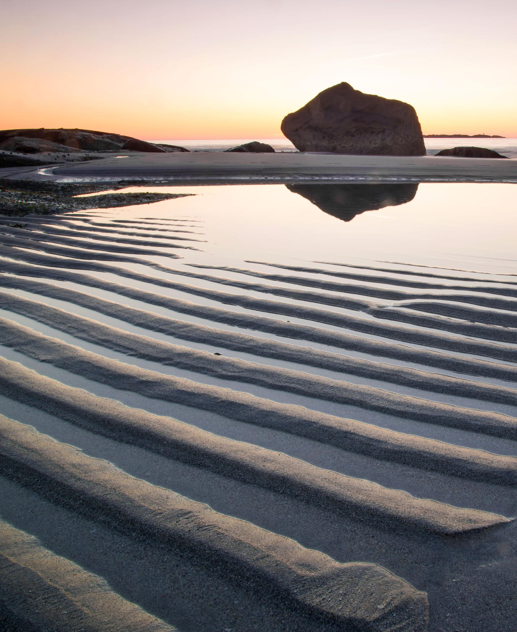 Lines in sand, reflections by catoh2