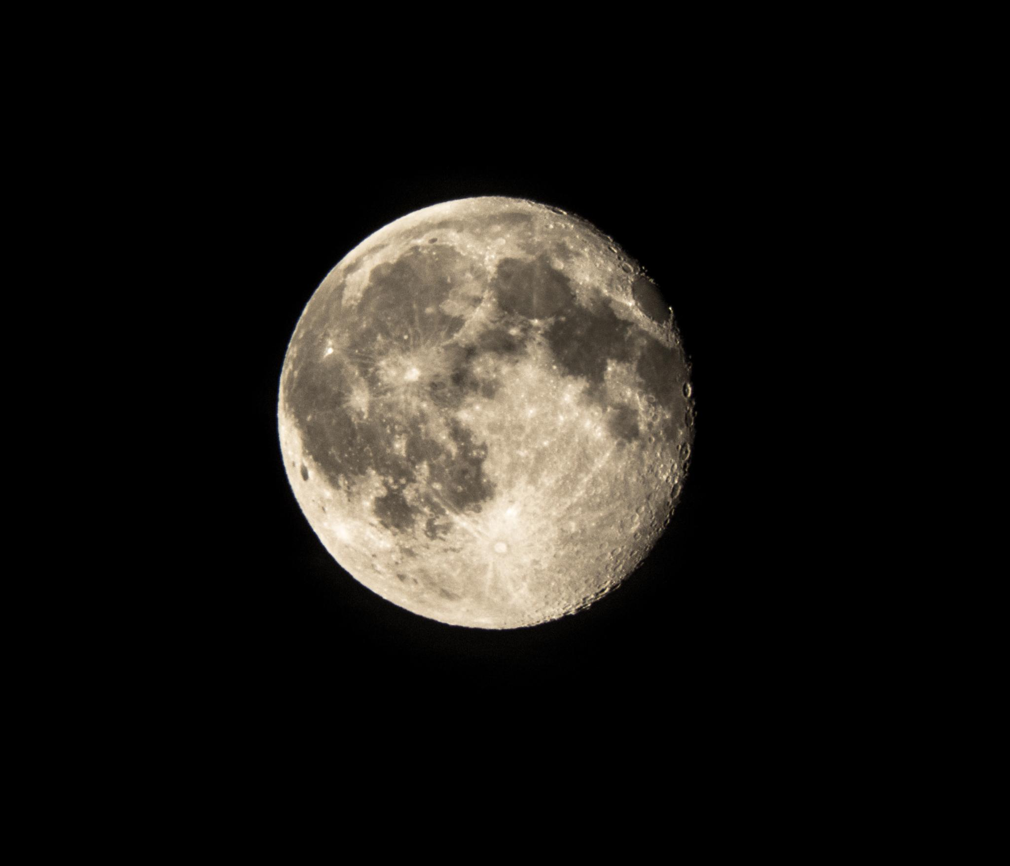 Full moon by marton.zoltan.96