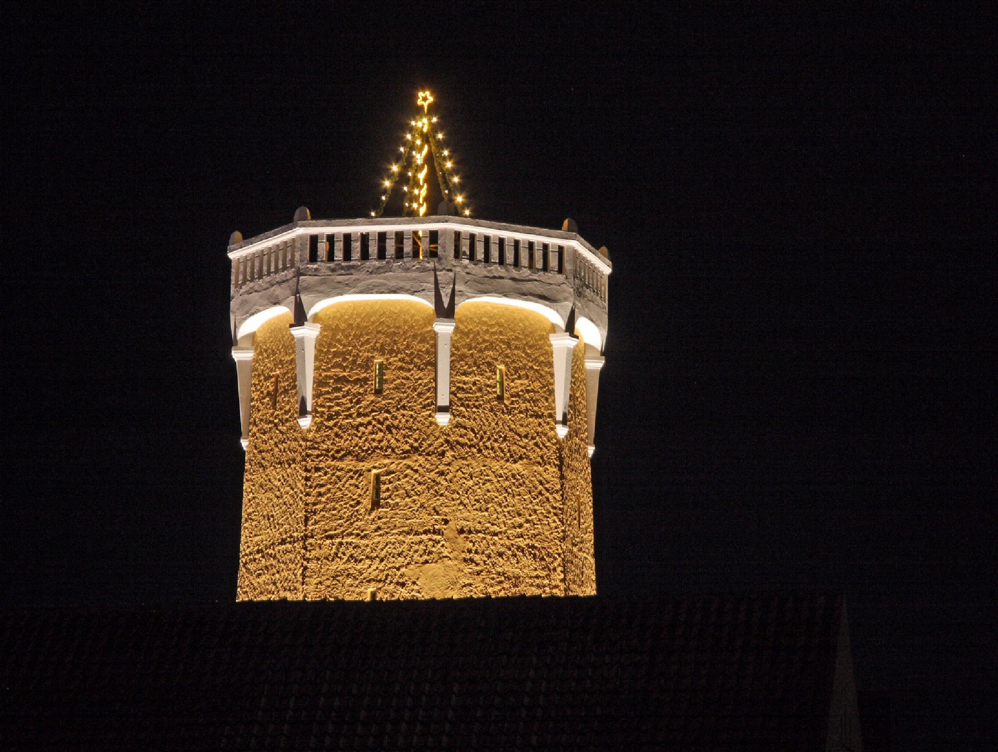 Tower and christmas tree by vedvejen