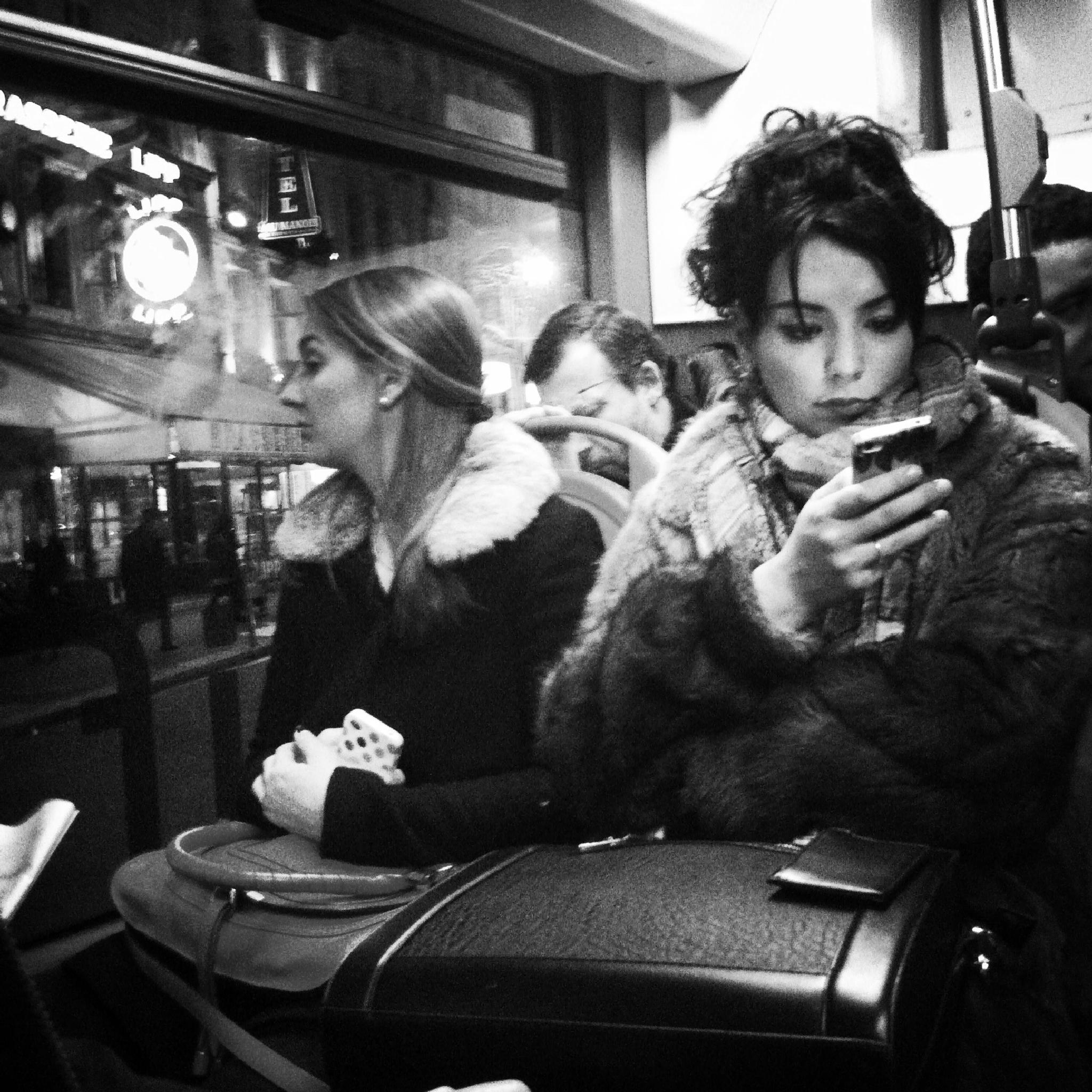 Bus portraits in Paris by parisfind