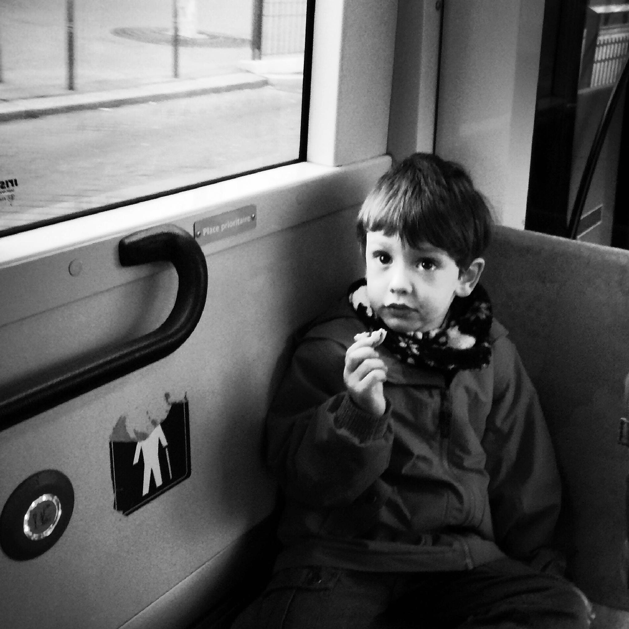 Kid bus snack by parisfind