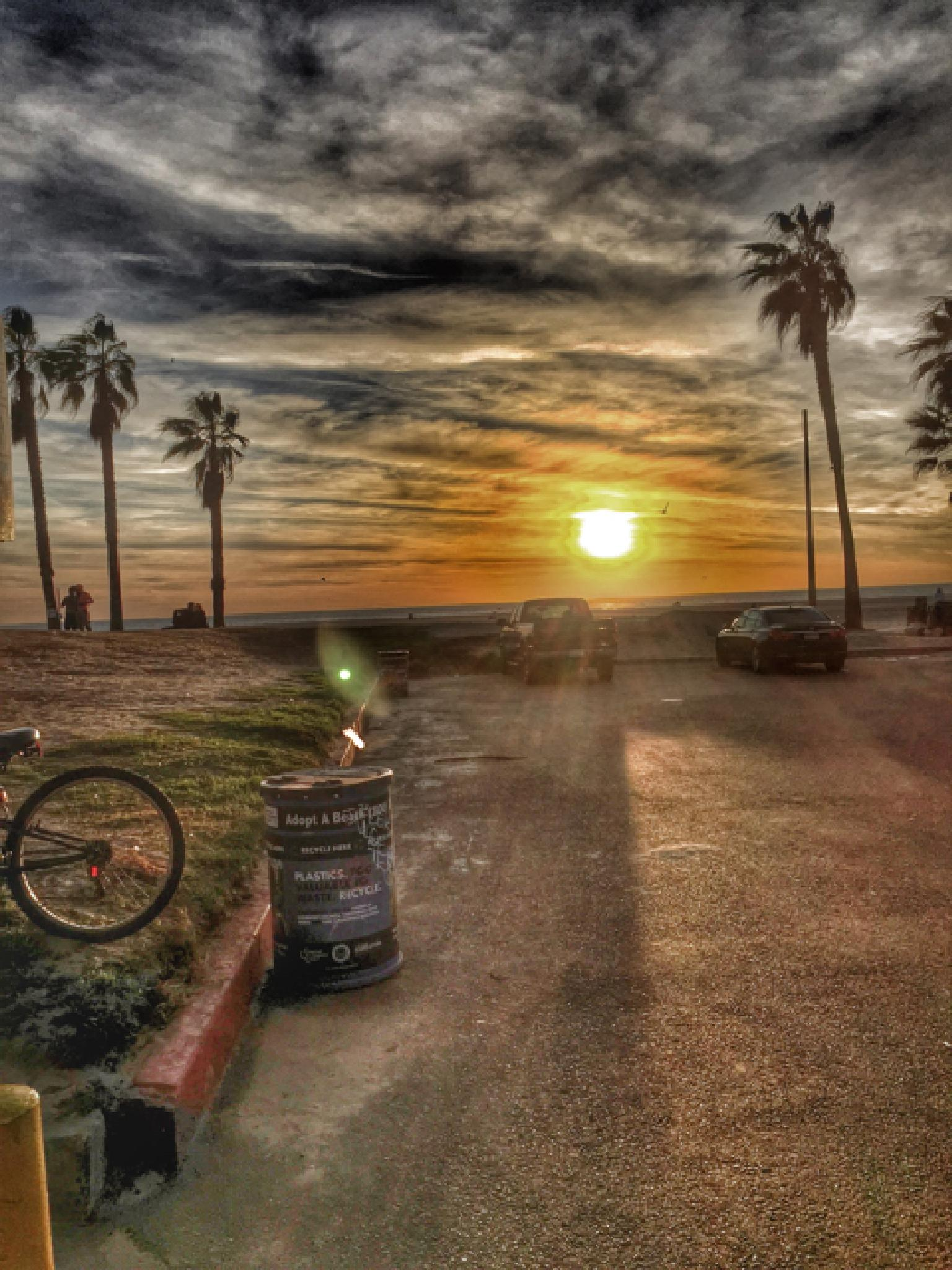 Santa Monica Sunset by Oleg K