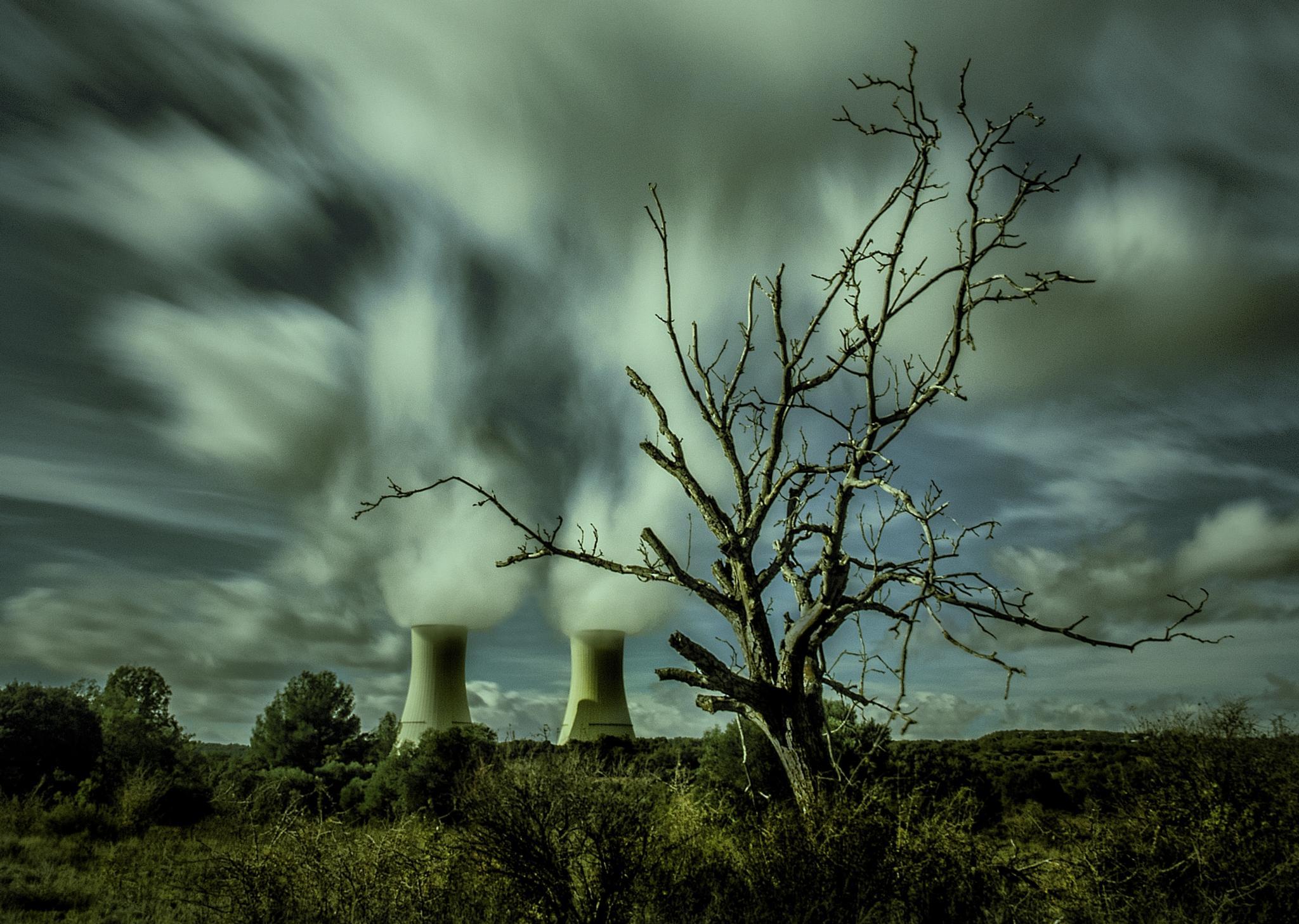 nucleares matan  by miguellopezdeharo