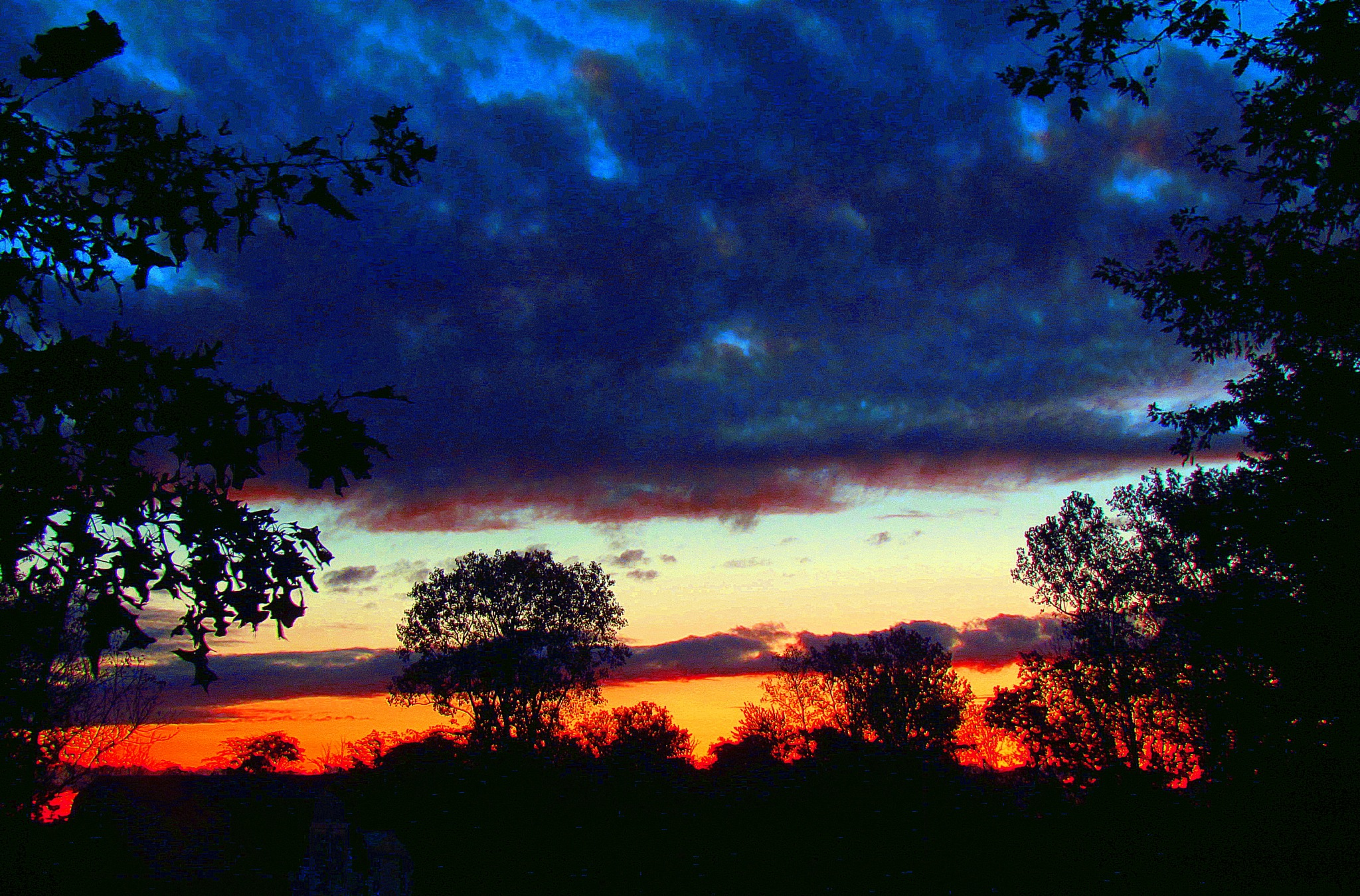 Early Sunrise by bellamahri