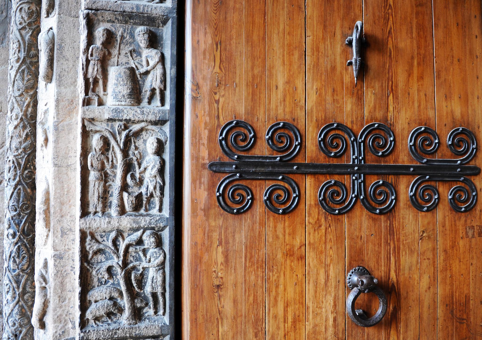 Santa Maria de Ripoll (Girona) by bescosx