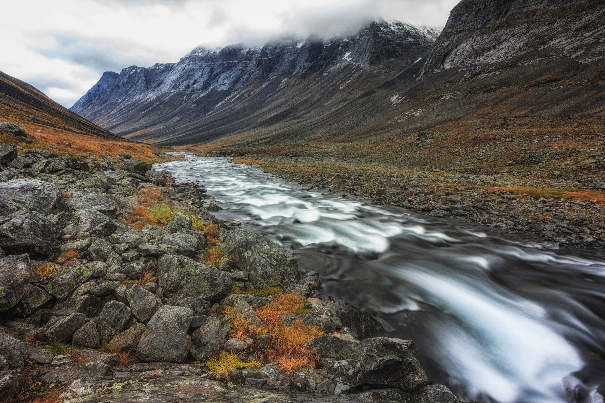 Mountain flow by Henrik Wanders