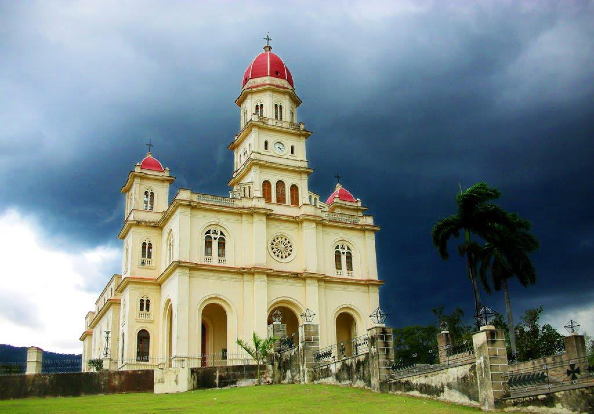la iglesia del cobre en cuba by FELIX O RODRIGUEZ