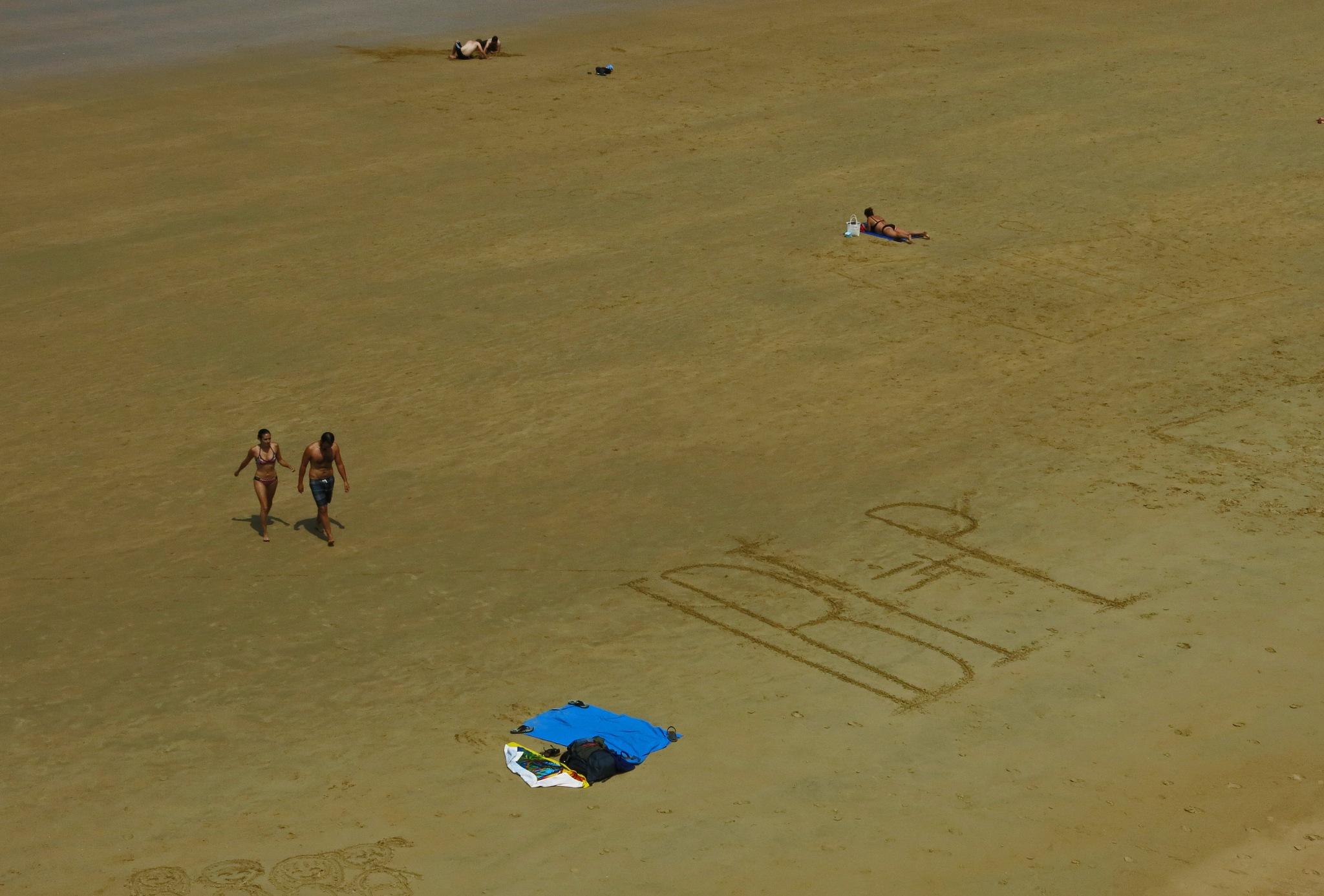 Beach in San Sebastian by lennor_65