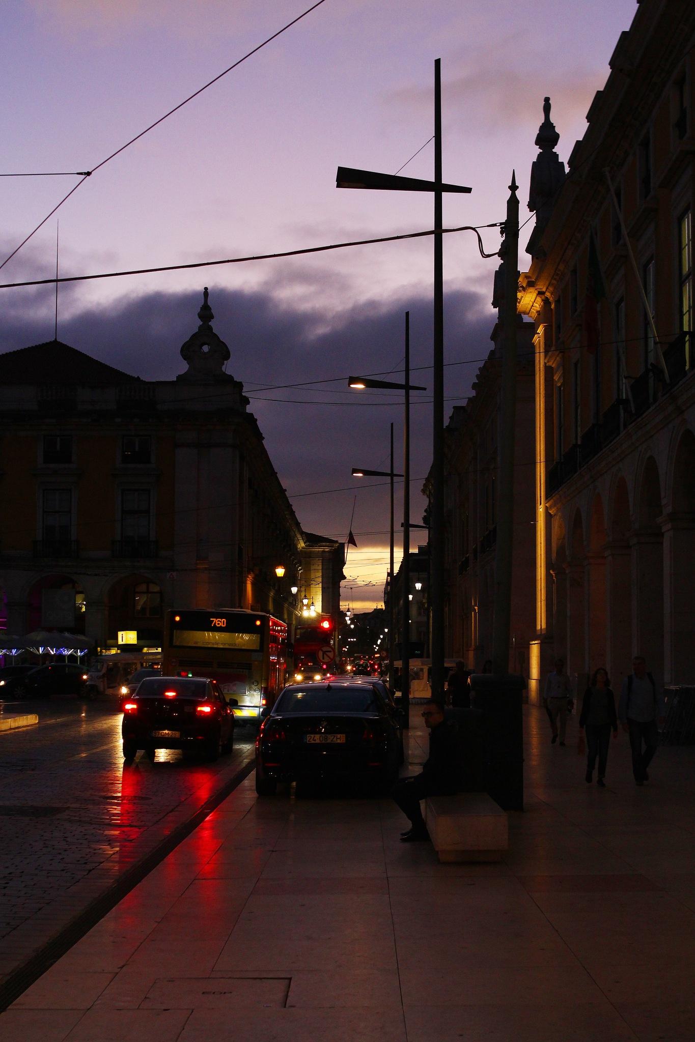 Magic hour in Lisbon  by carlosmsantos
