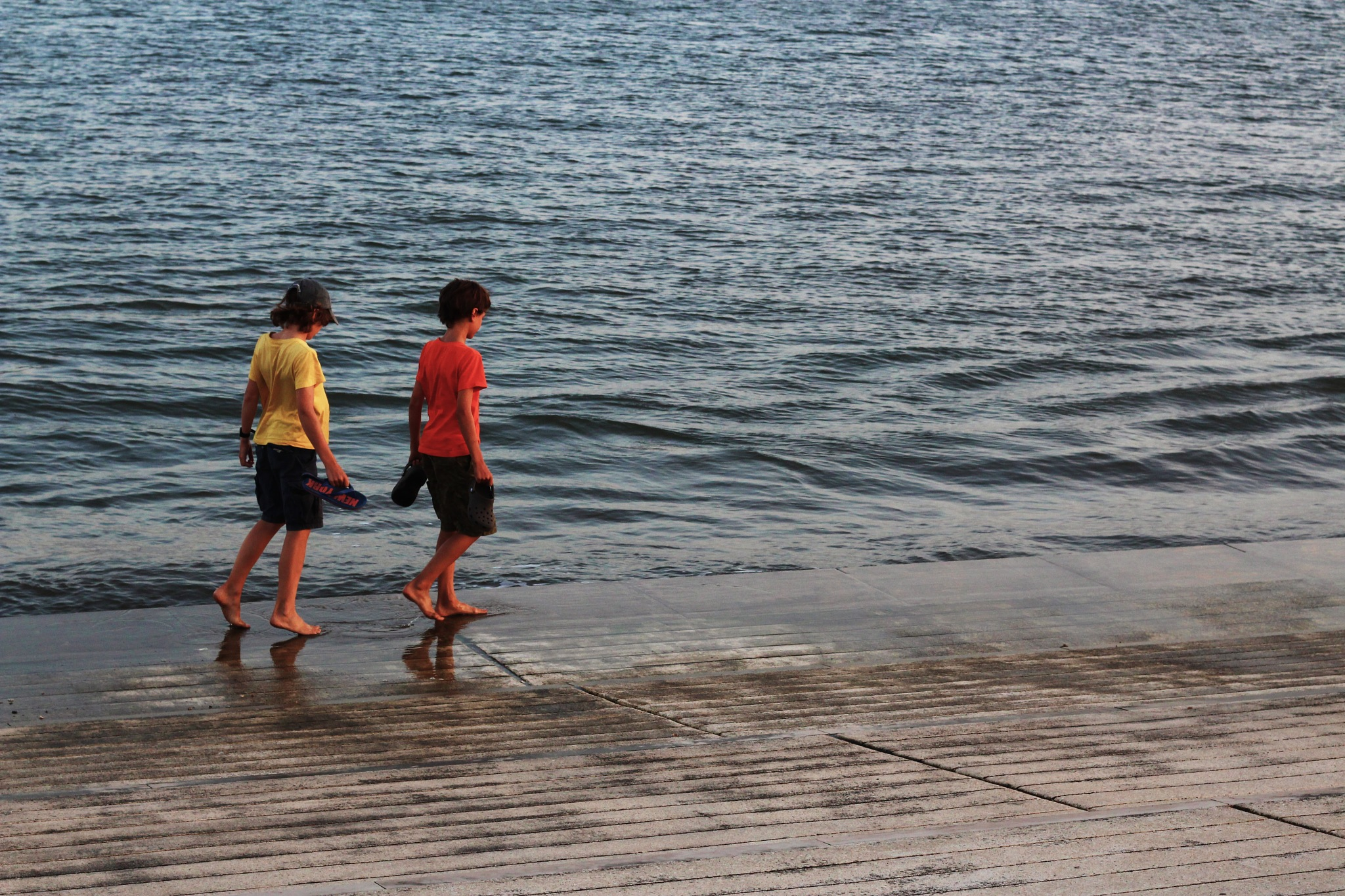 Children @ Tejo River, Lx by carlosmsantos