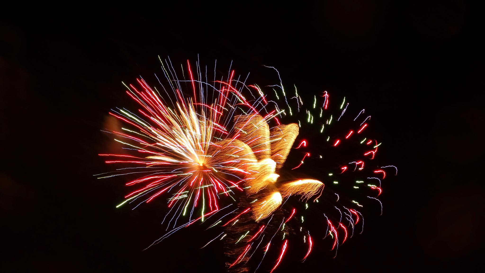 HALLOWEEN FIREWORKS  by MelBaRocks