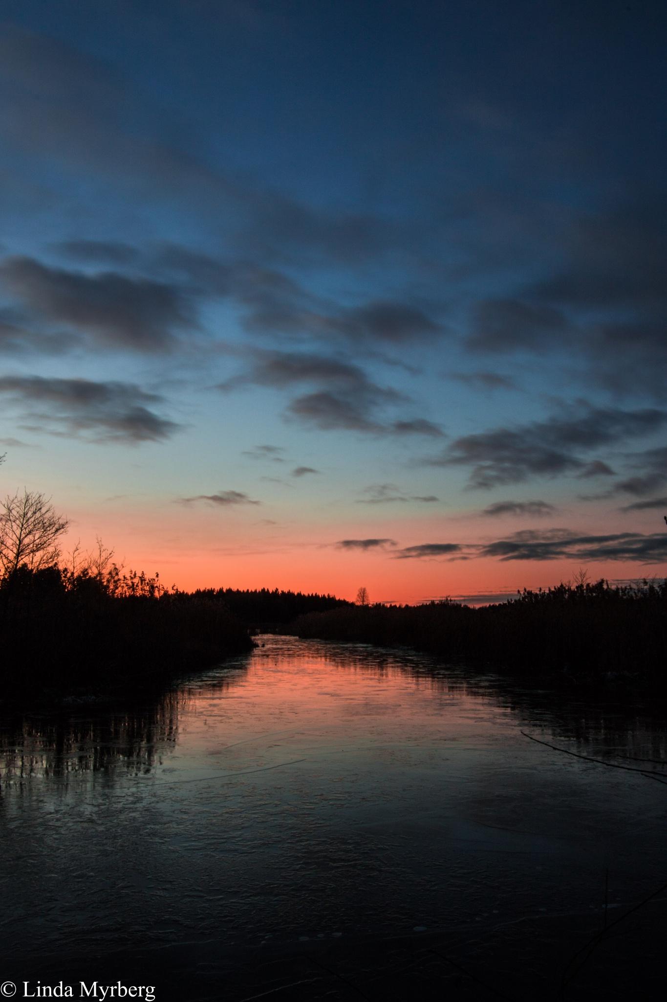Sunset over Måsnaren part2 by Linda Myrberg