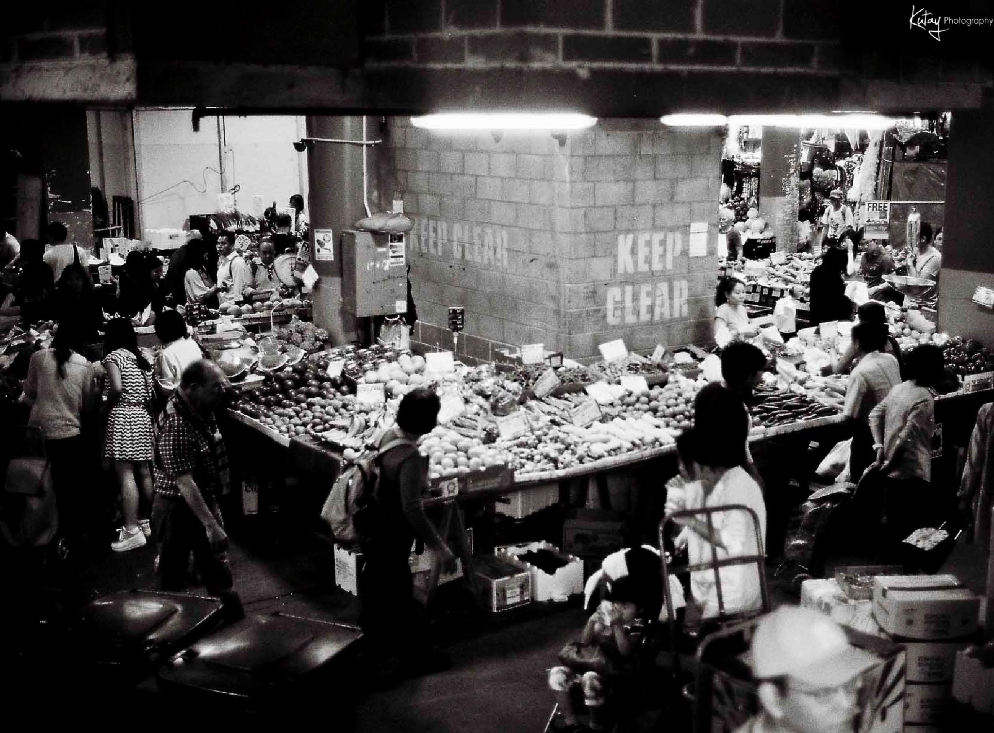 Chinatown fruit market  by Kutay Photography