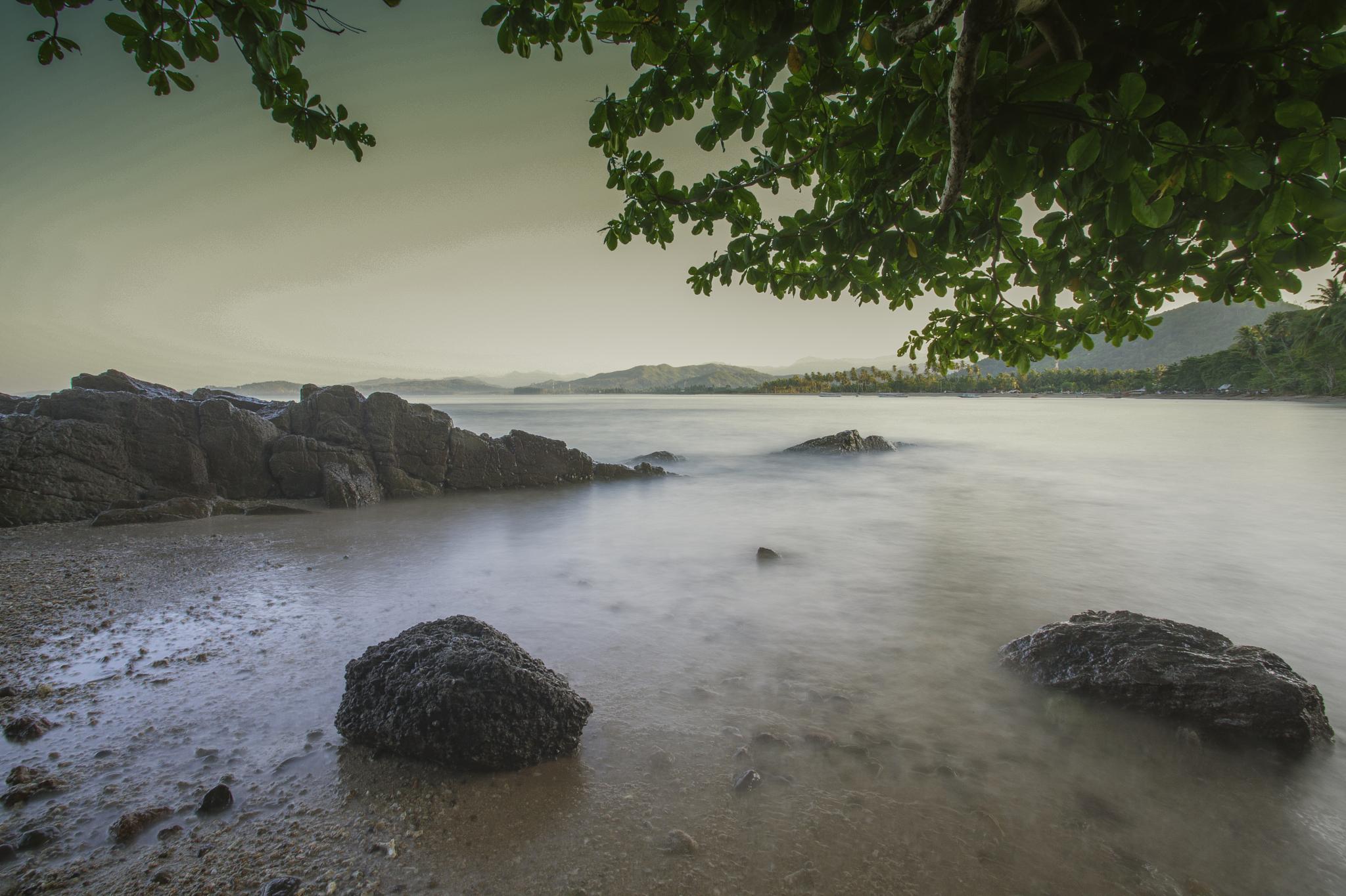 Carocok beach by Syafri Gamal