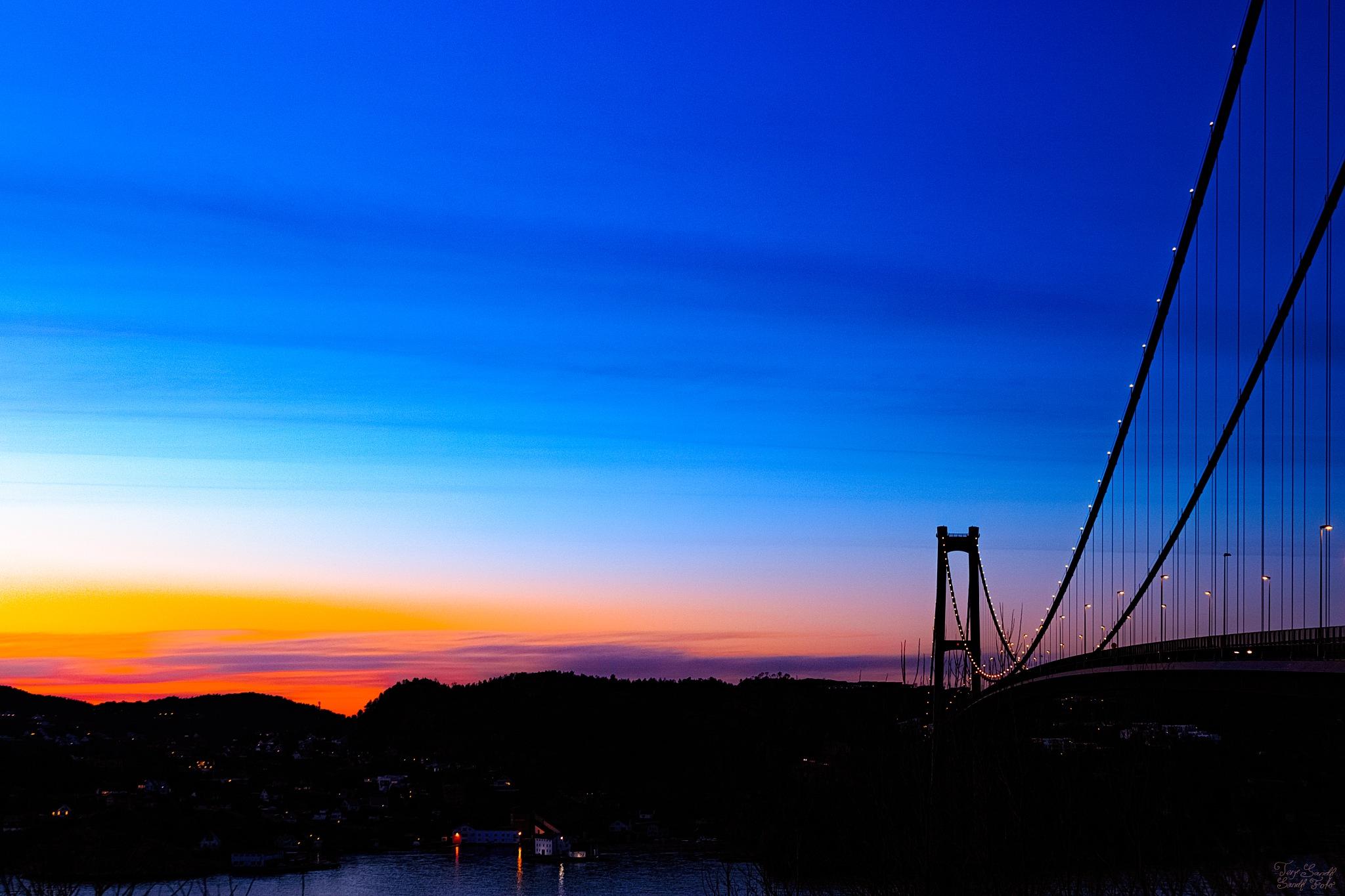 Askøybroen  by tjsandofoto
