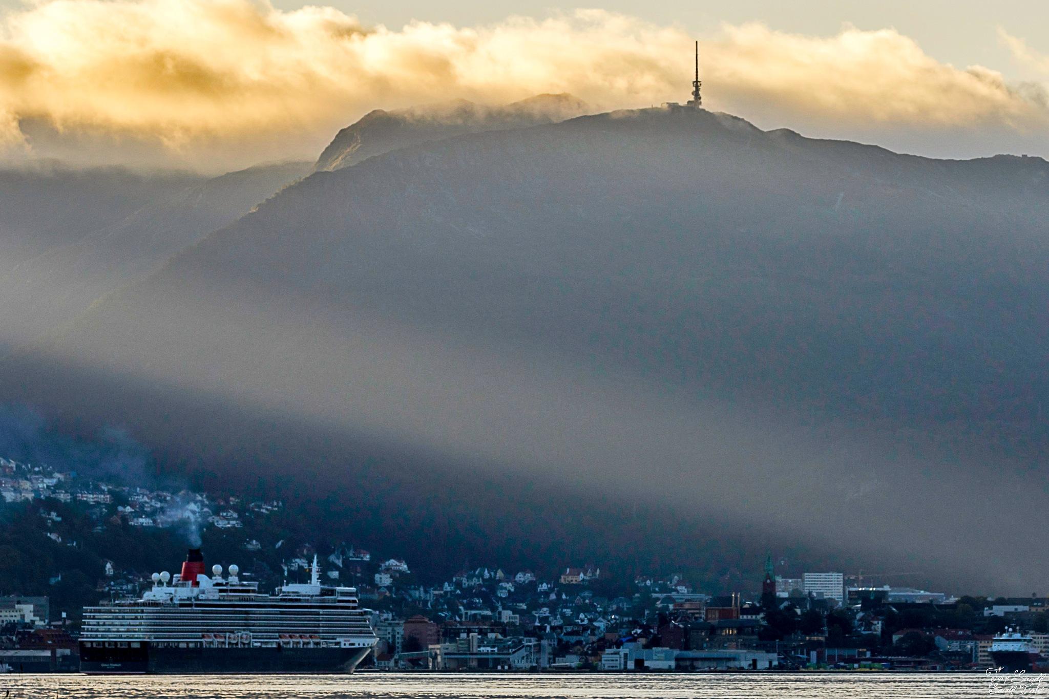 Queen Elizabeth at Bergen  by tjsandofoto