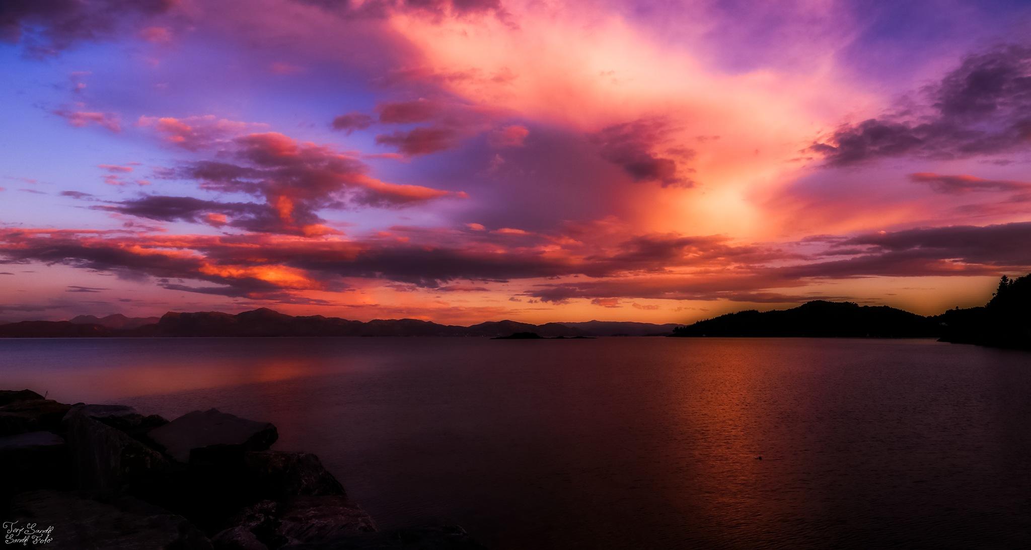 Bjørnefjorden  by tjsandofoto