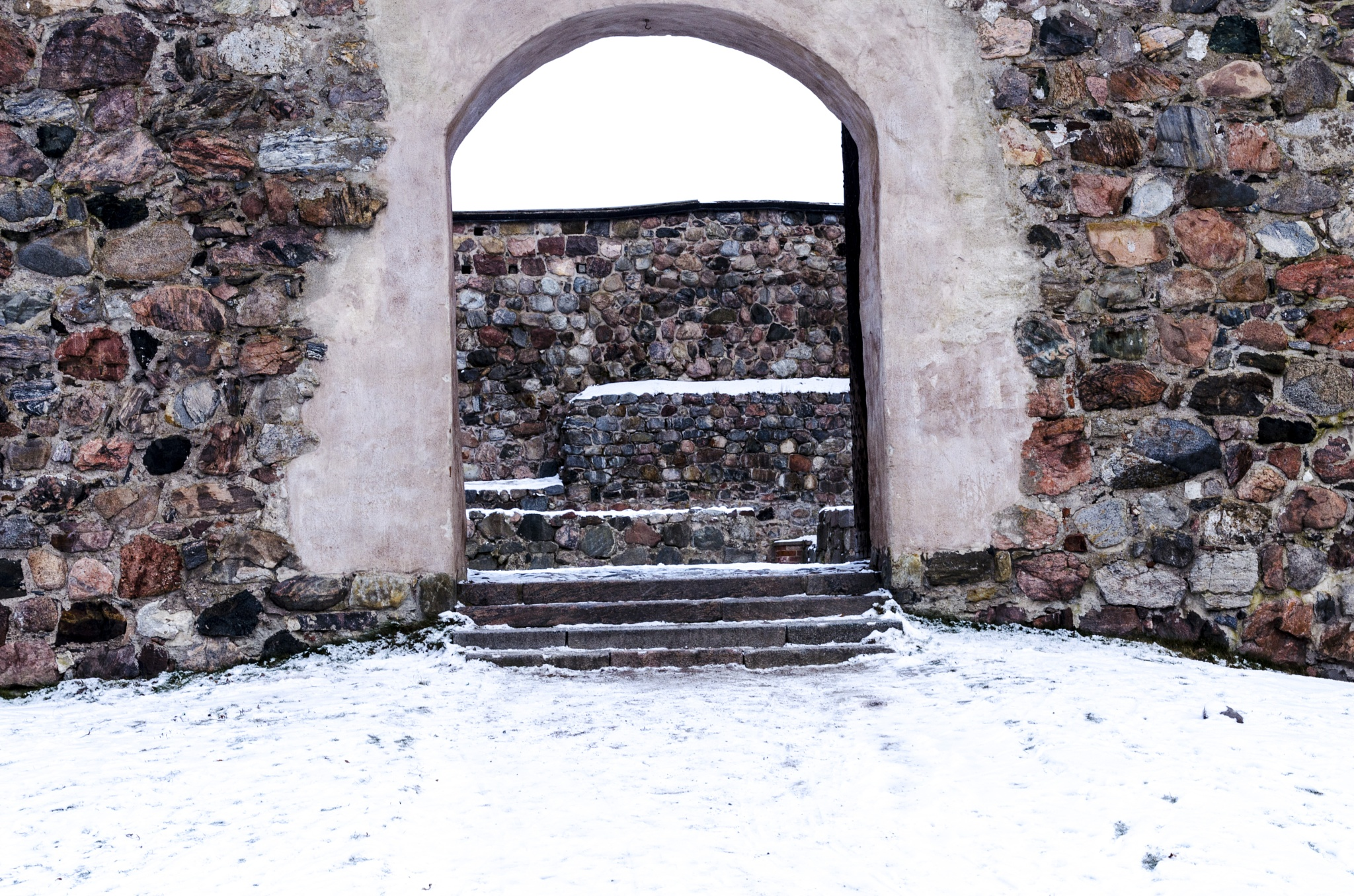 Another archway at Nyköpingshus by Johnny Lythell