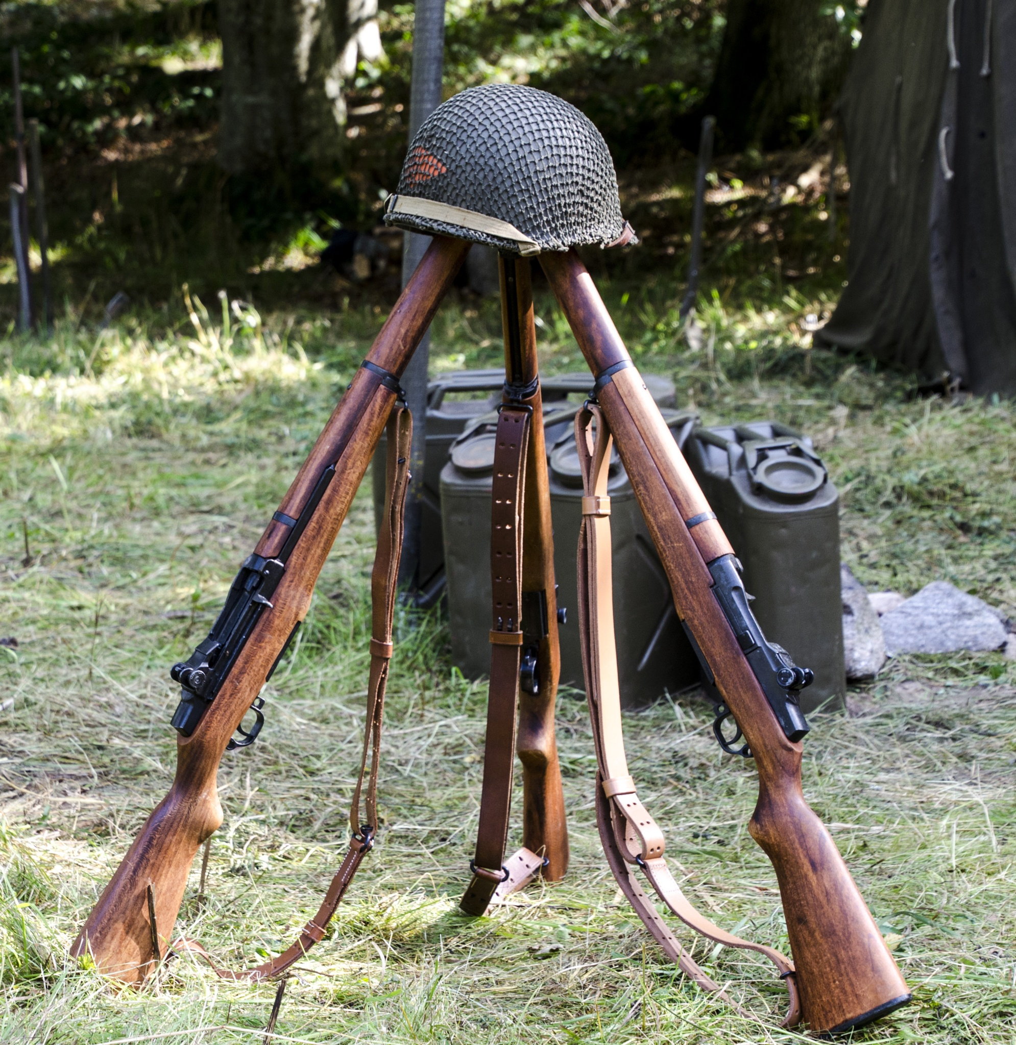 US soldiers' weapons set from WWII by Johnny Lythell