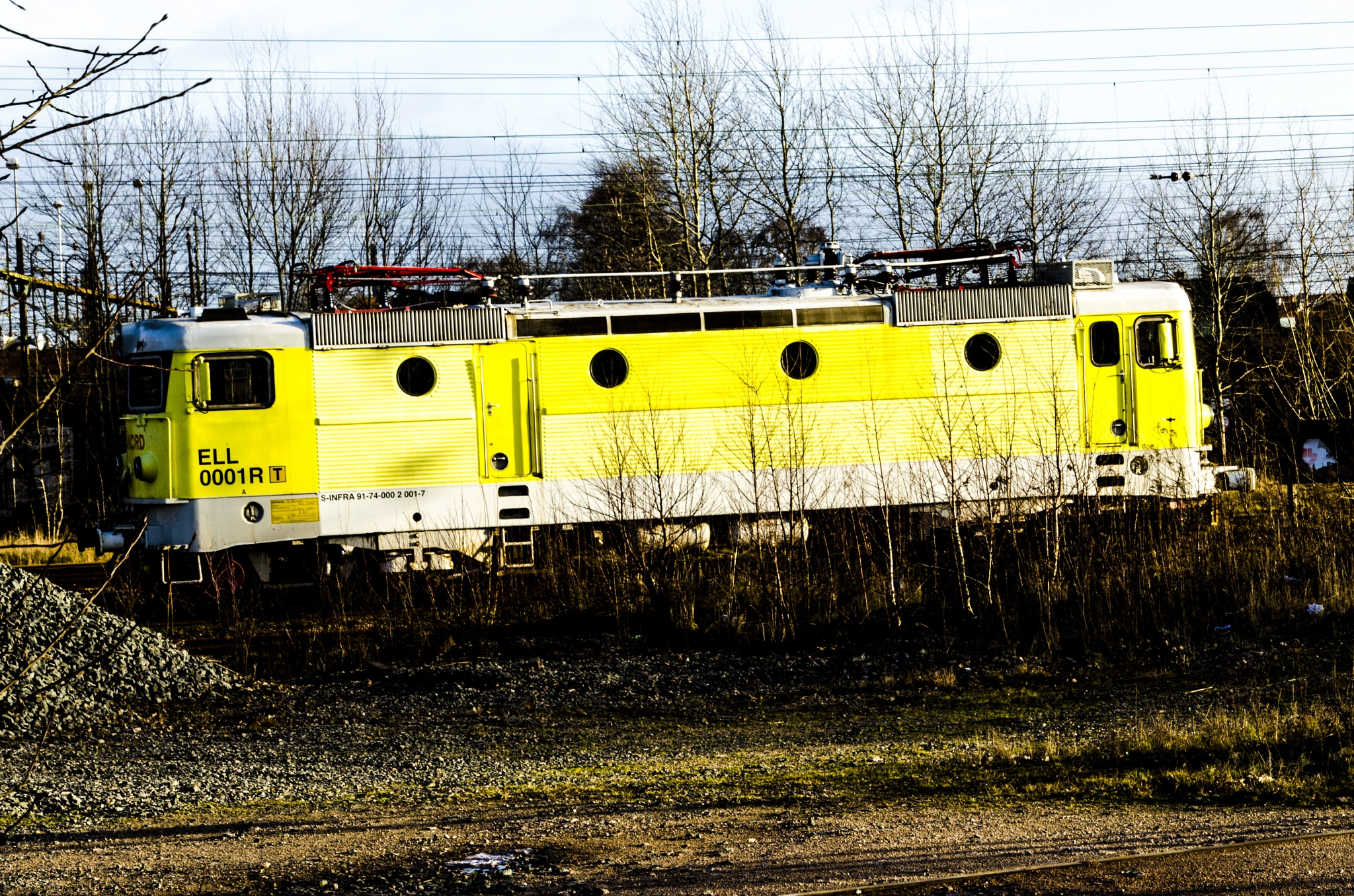 electric locomotives by Johnny Lythell