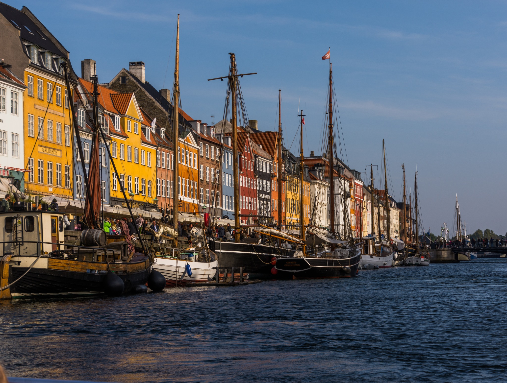 Copenhagen by boat by Johnny Lythell