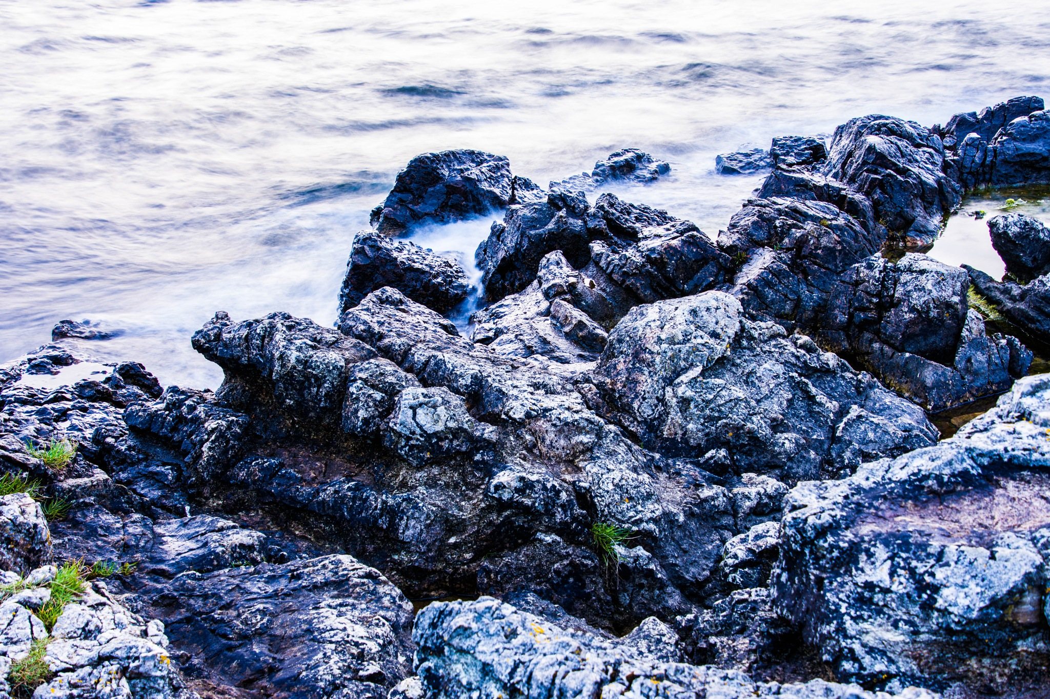 Rocks and water by Johnny Lythell