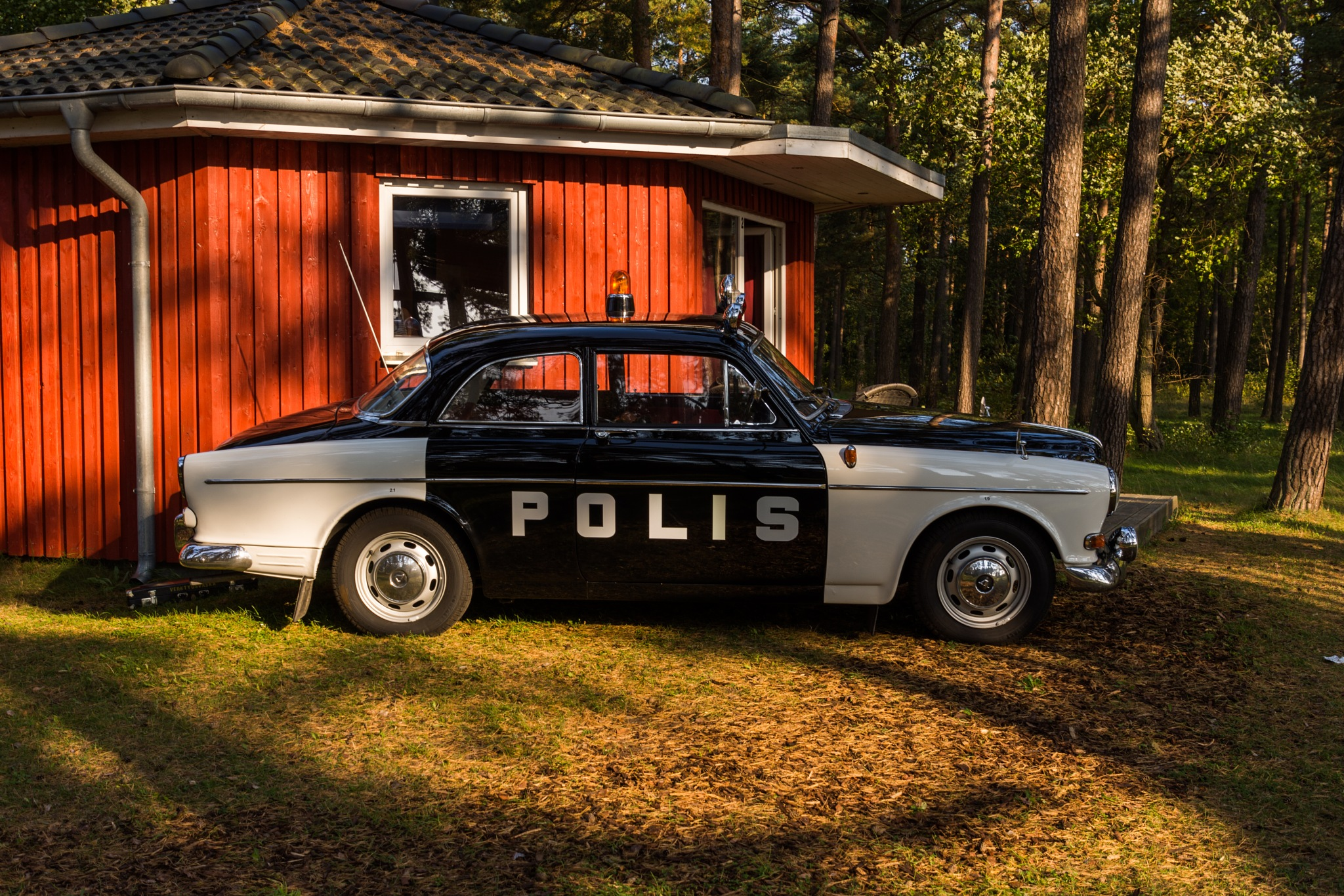 Old Swedish police car by Johnny Lythell