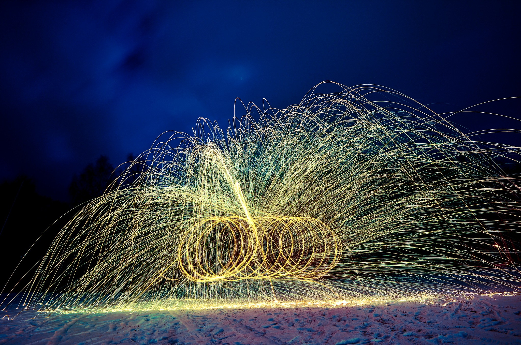 Playing with steel wool 2 by rollepersson