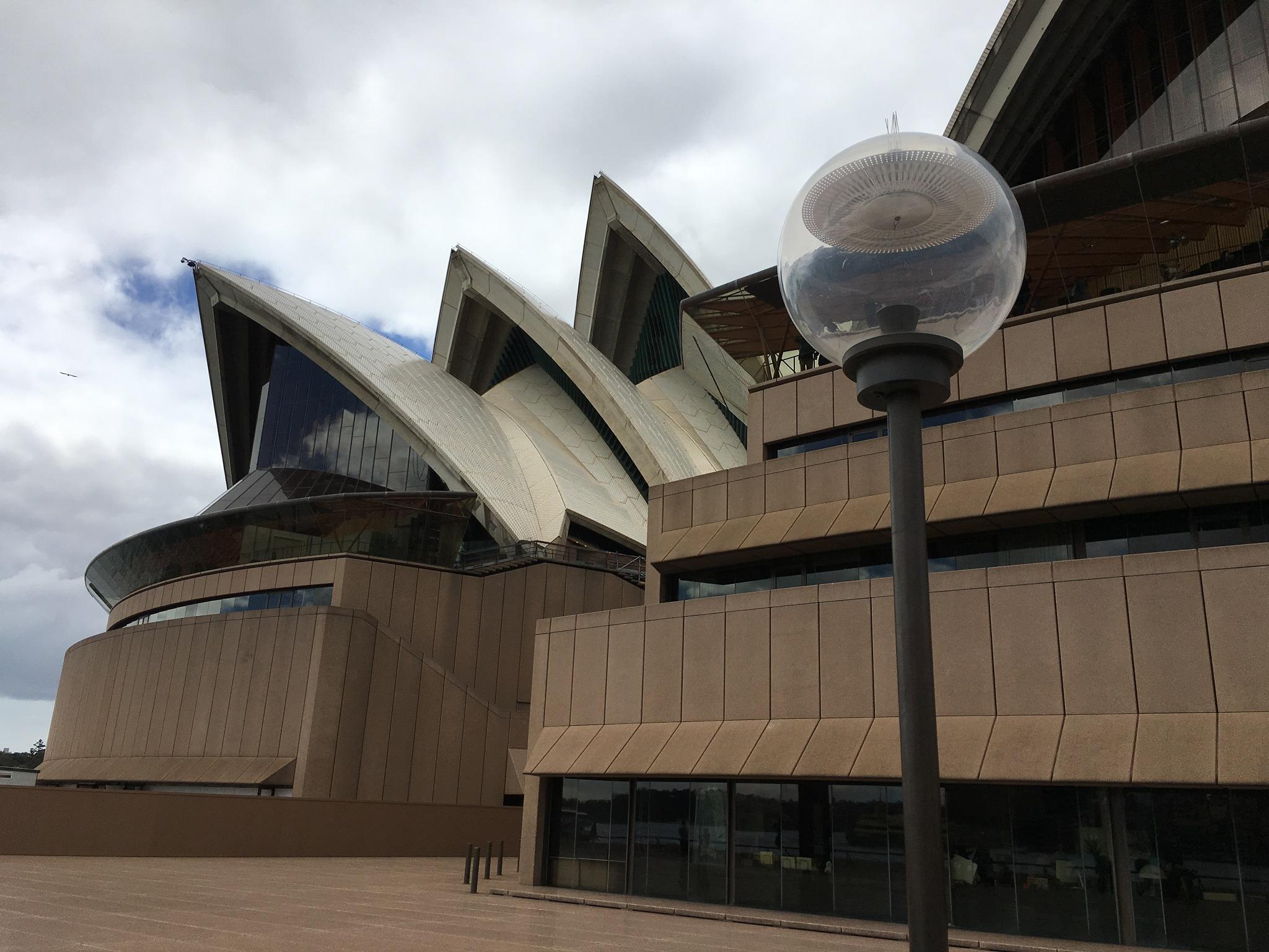 Opera House by ronmac777