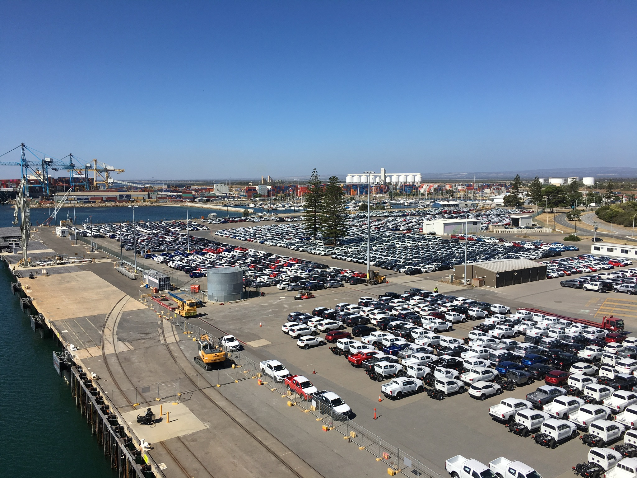 Port Adelaide by ronmac777