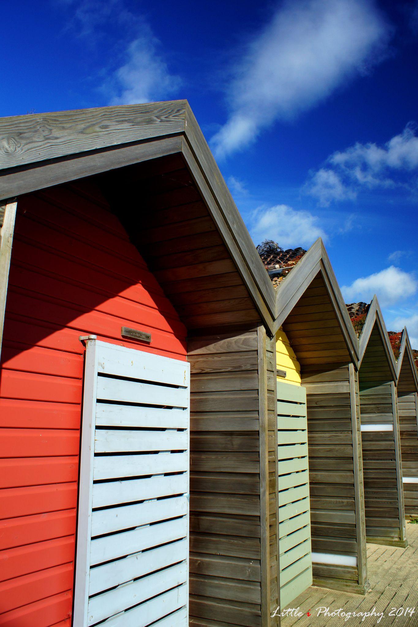Blyth beach hut #1 by davecarter754