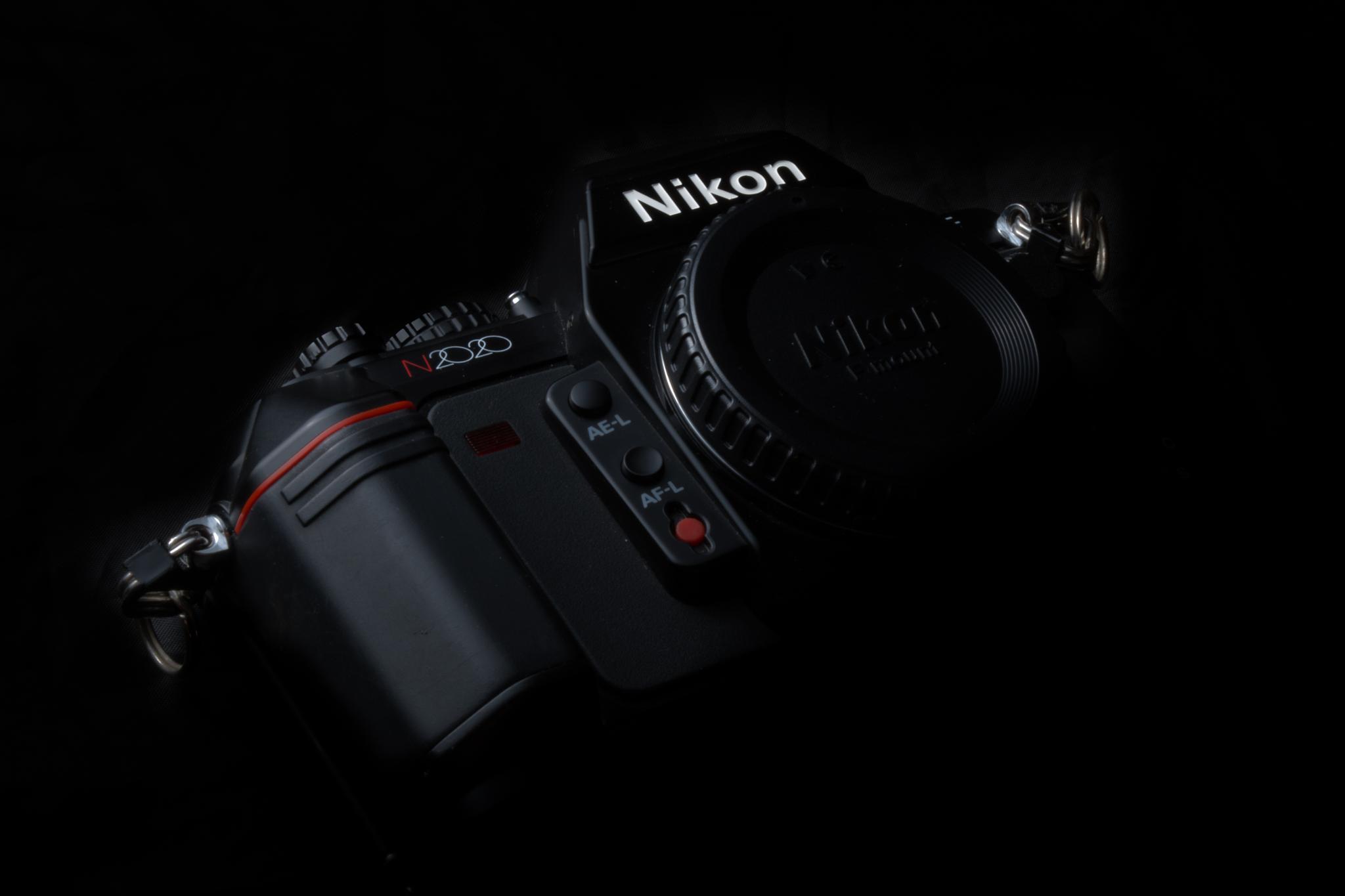 NIKON N2020 / F-503 by julian95rodriguez