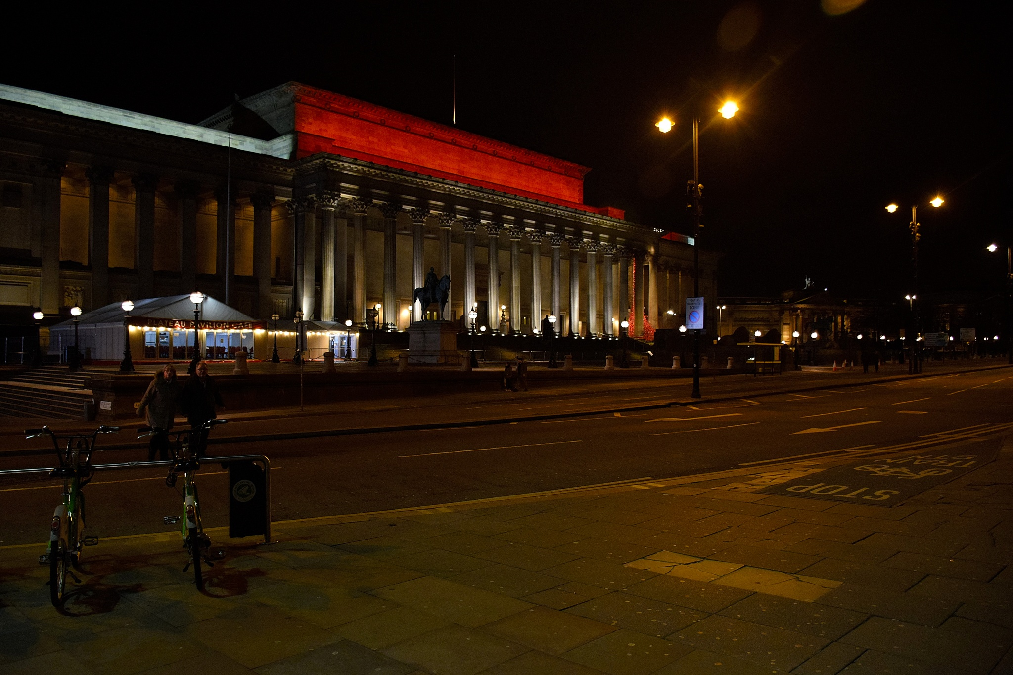 St George's Hall  by cliff.edmundson.3
