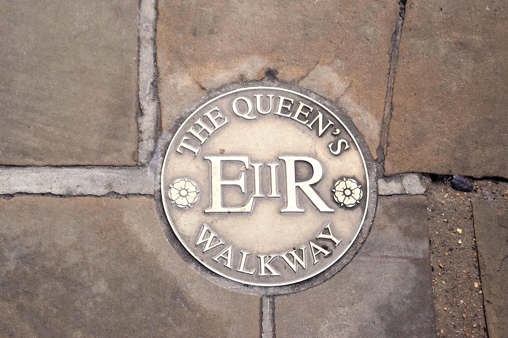Queen's walkway  by cliff.edmundson.3