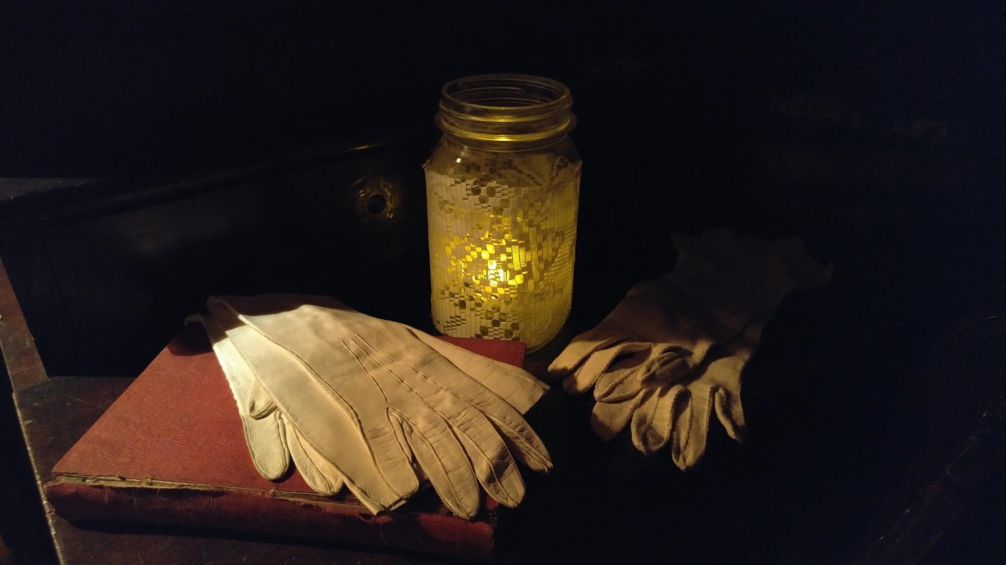 Gloved Life by Spiritlight