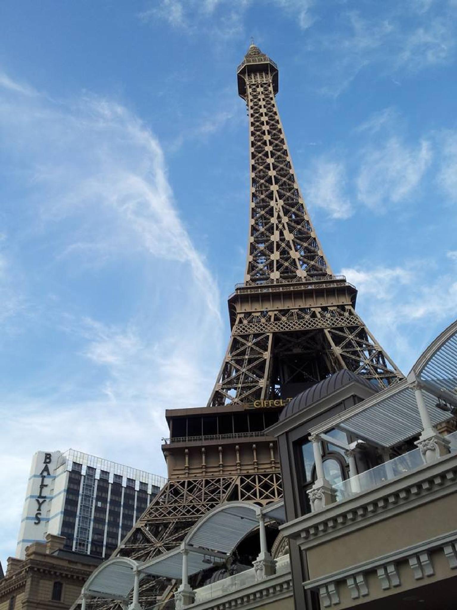 """""""Eiffel #3"""" by 1.W1LD.W0M4N"""