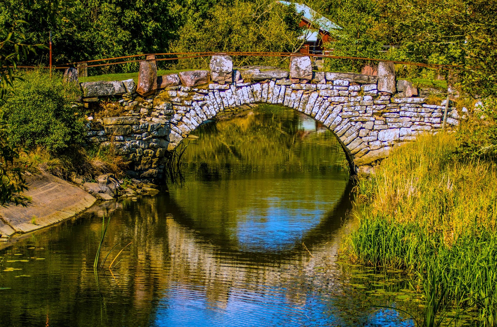 The stone bridge by inge.braberg