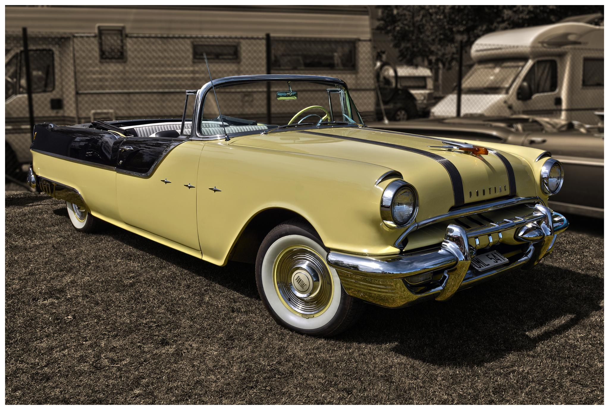 1955 Pontiac Star Chief Convertible by Linda Persson