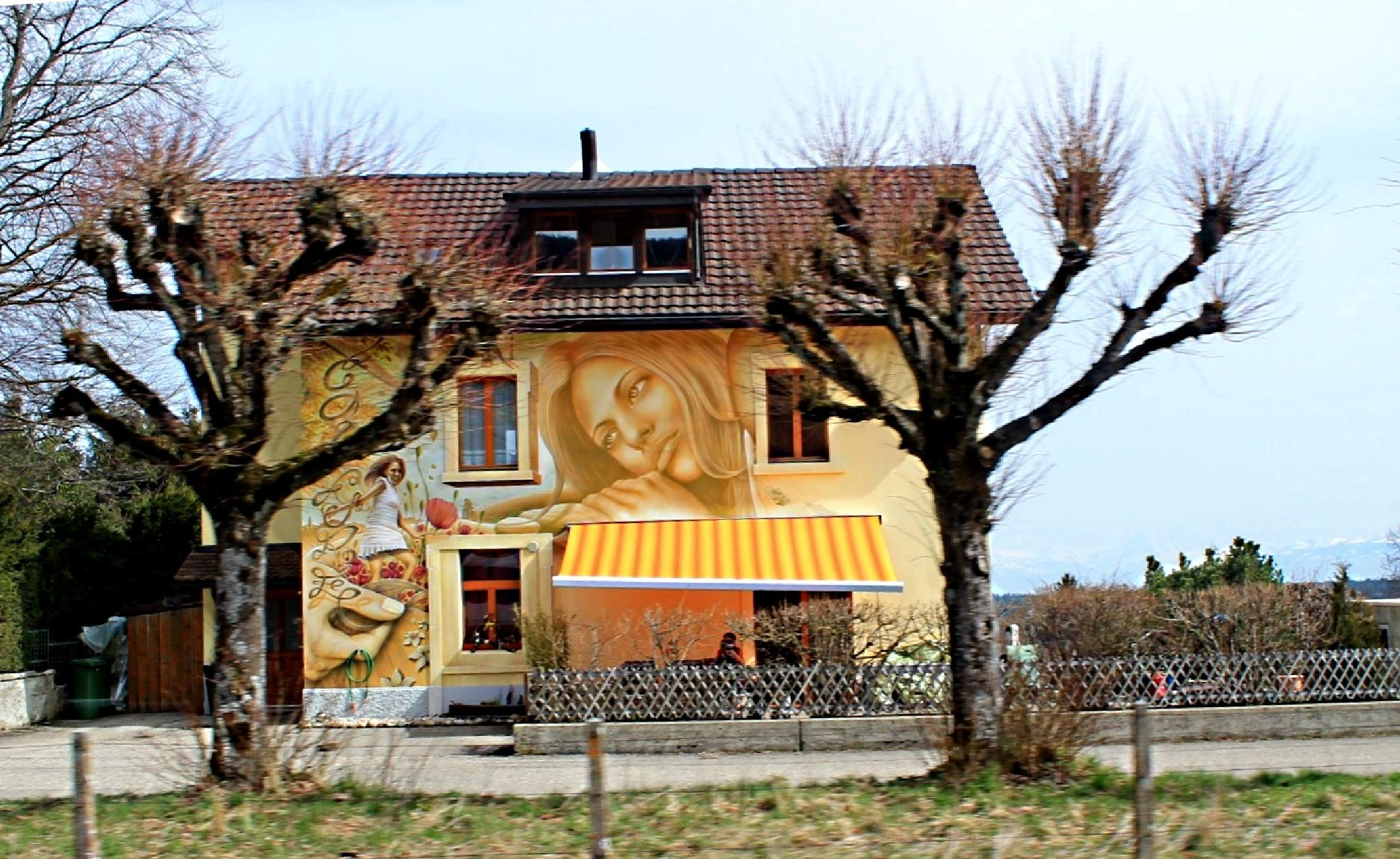 Original decoration of a small house! by Andre RAMSEYER