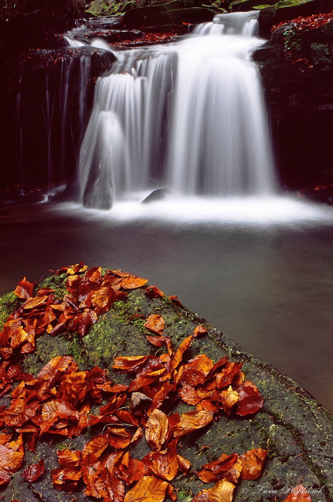 Waterfall by tompavlas