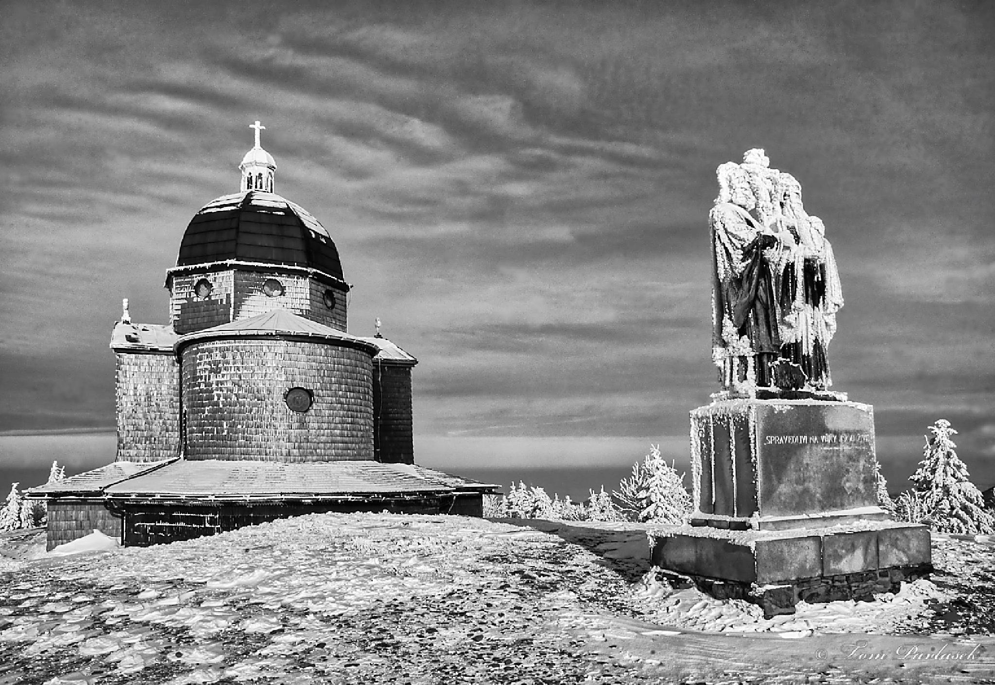 At the top of the mountain by tompavlas