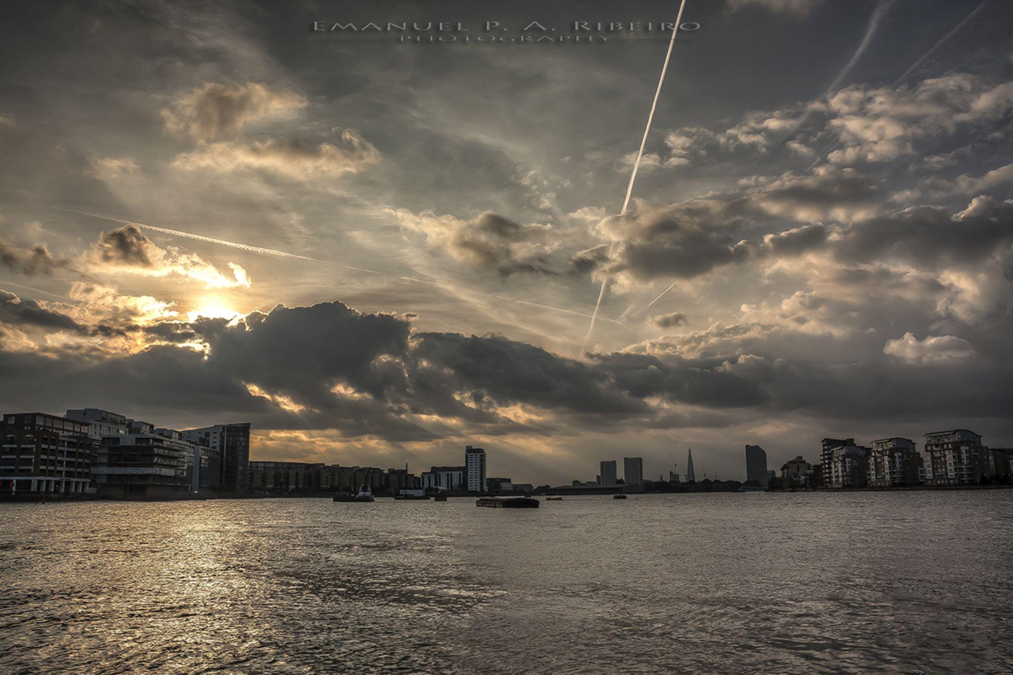 end of day in Greenwich by Emanuel Pereira Aparicio Ribeiro