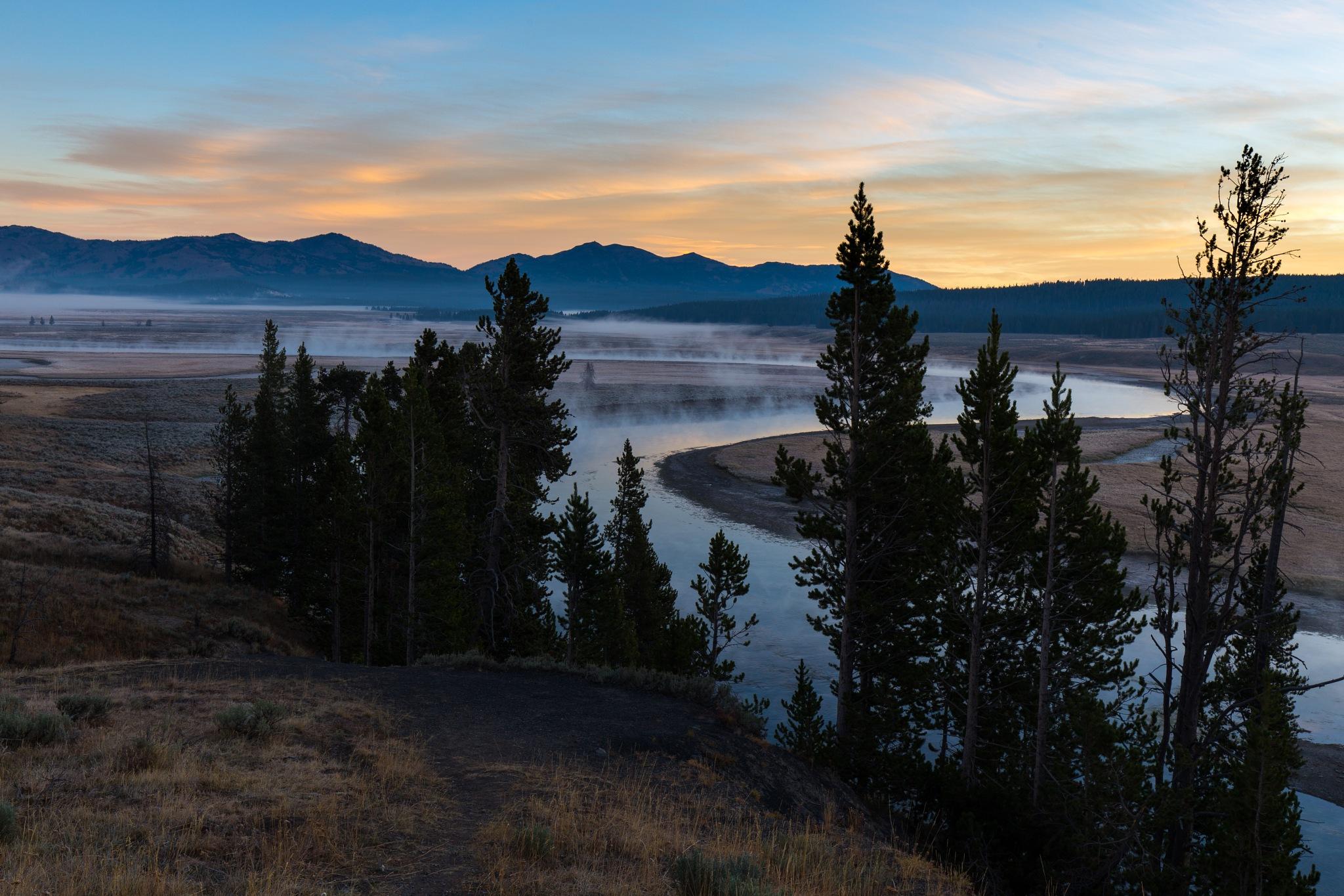 Sunrise over Hayden Valley by timacker