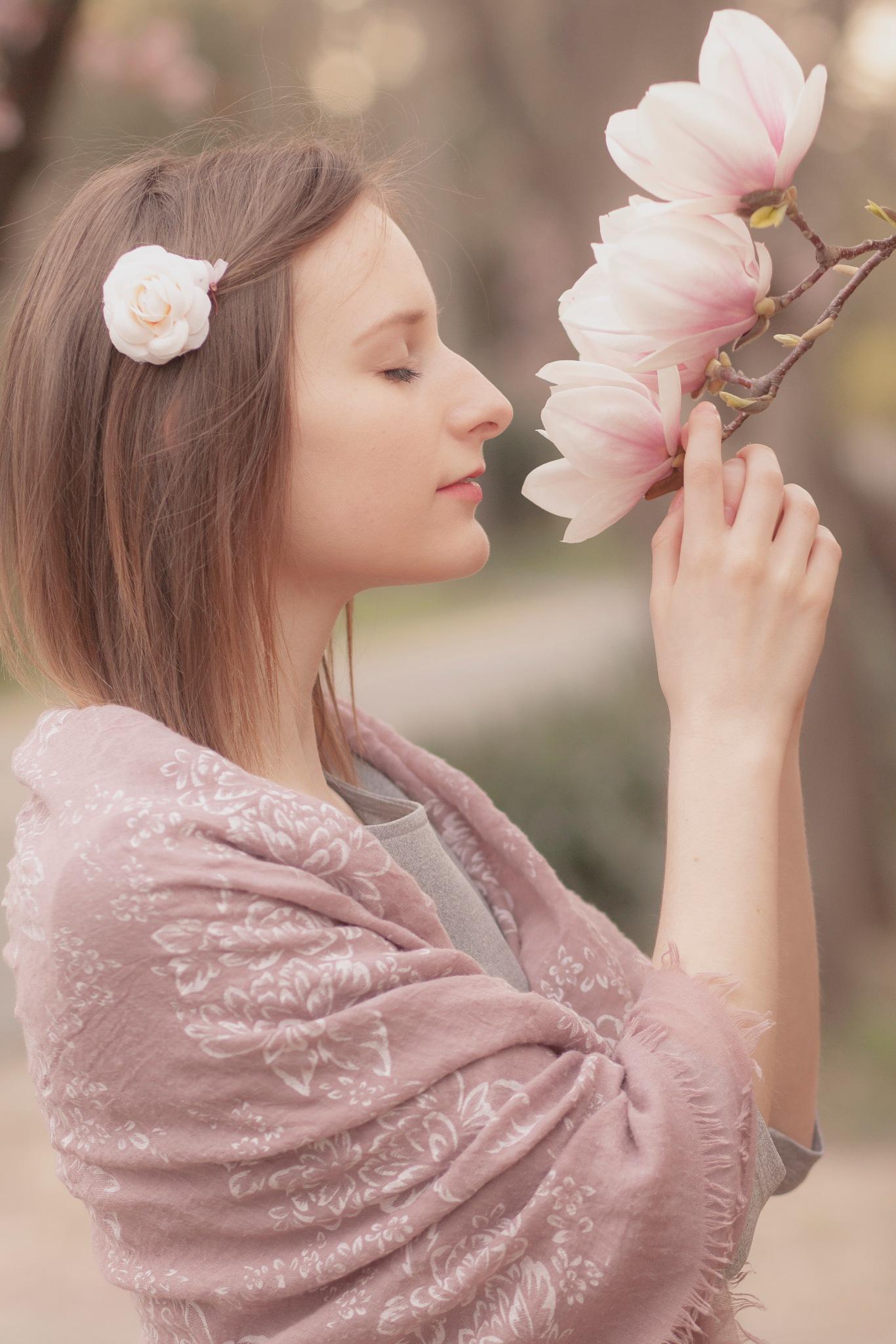 Hello Spring by Cseresznye