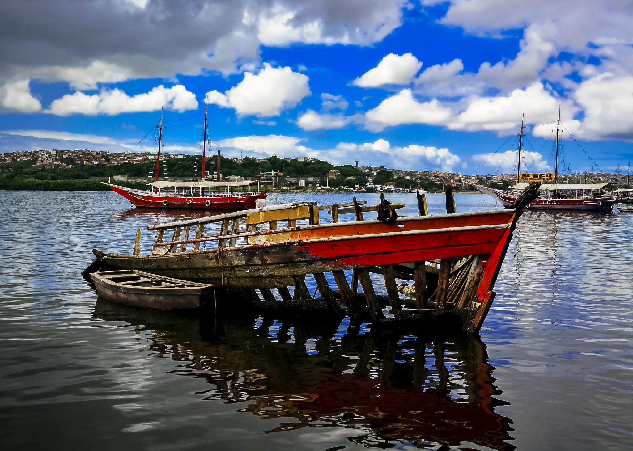 O barco by Robson Carvalho