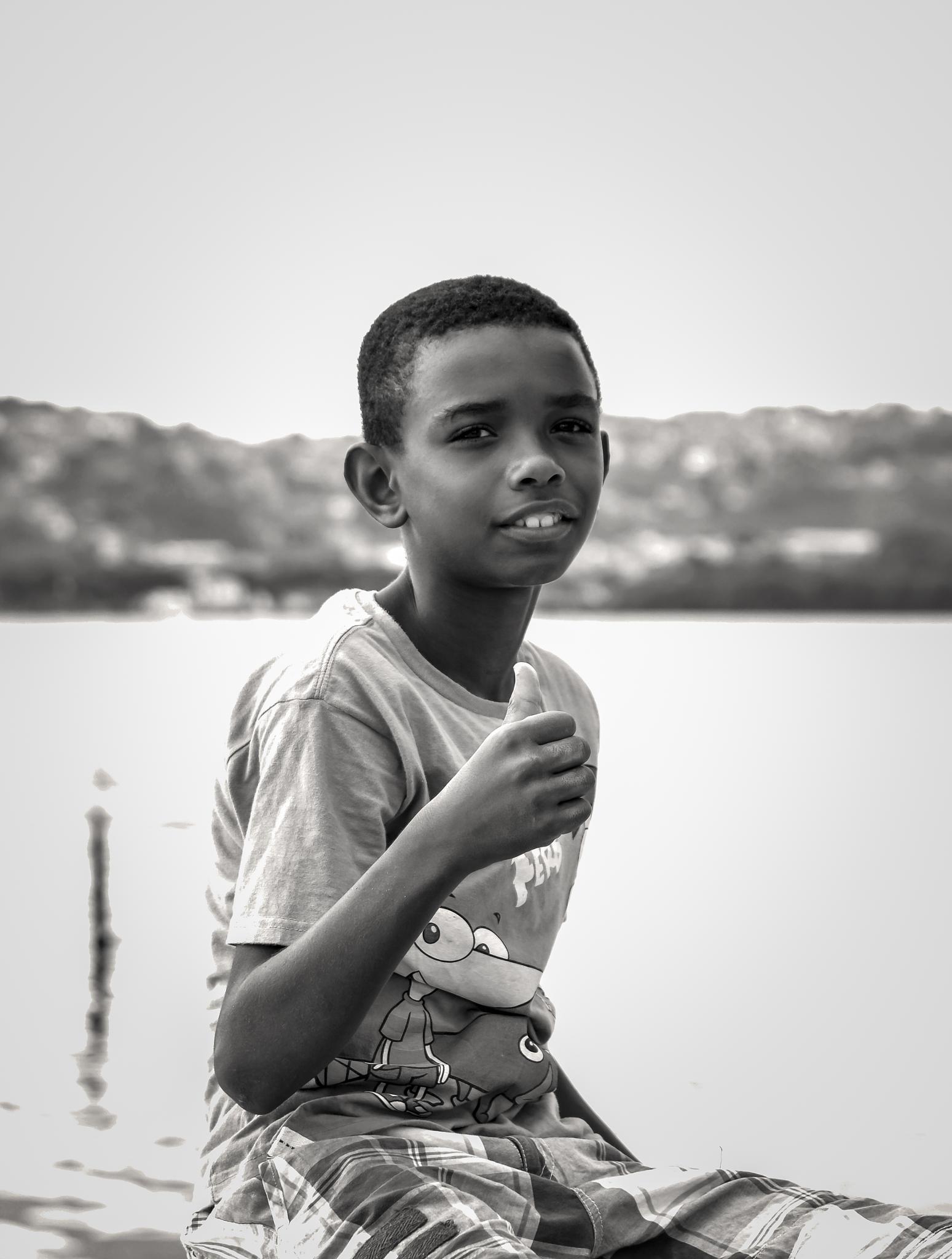 O menino by Robson Carvalho