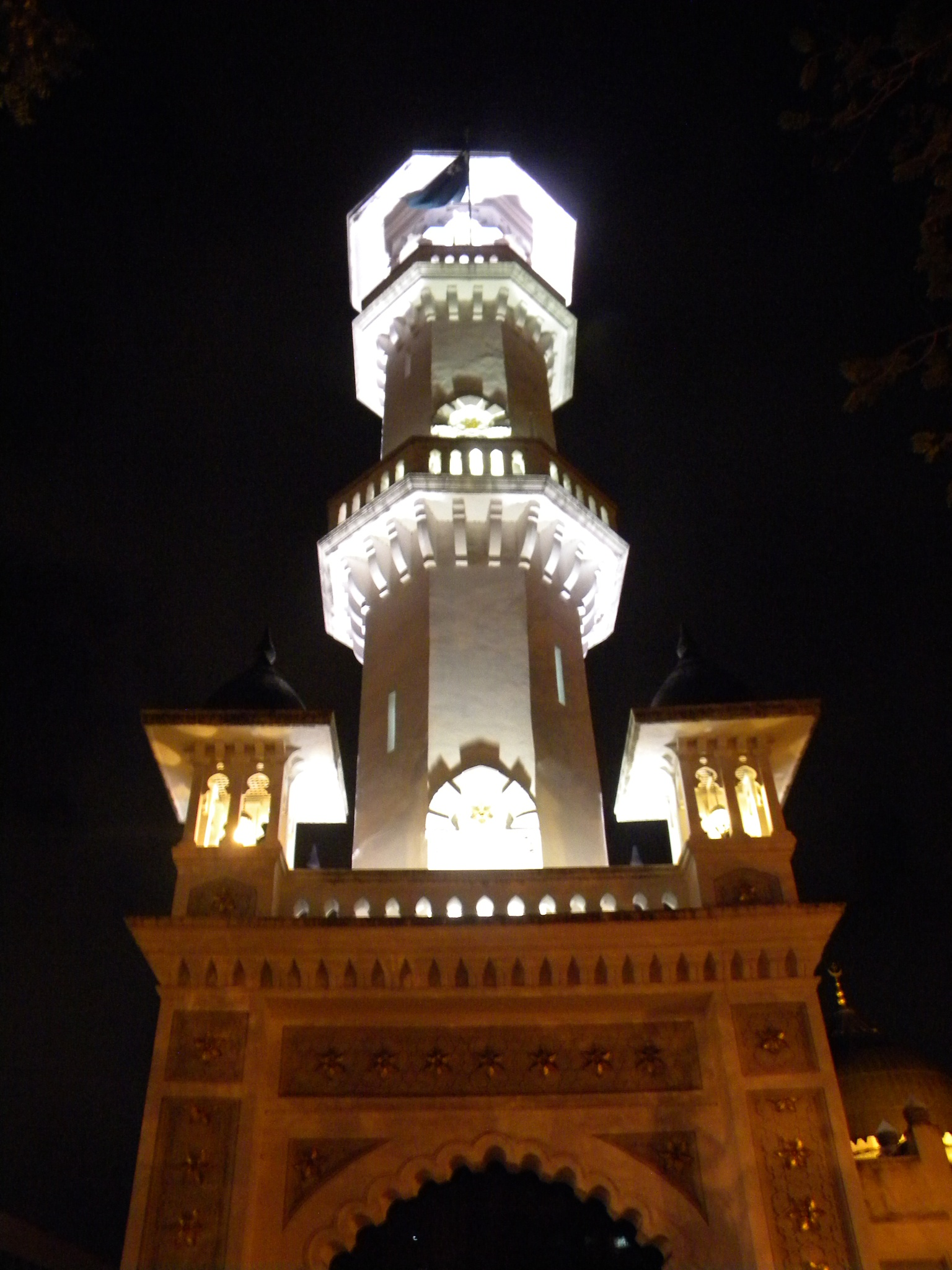 Mosque Tower by Aizy Saifullah