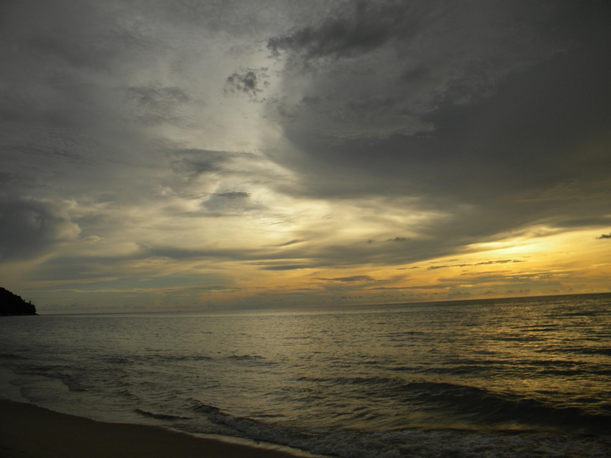 Sunset by Aizy Saifullah